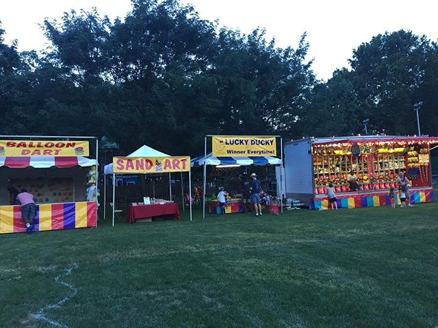 Finish setting up the #trainride at #marylandfestival now finishing touches on our #watergames @watergunfun2000 always providing #cleanfun to #marylandfamilies see you again soon.  Thanks for the experience #watergames💦