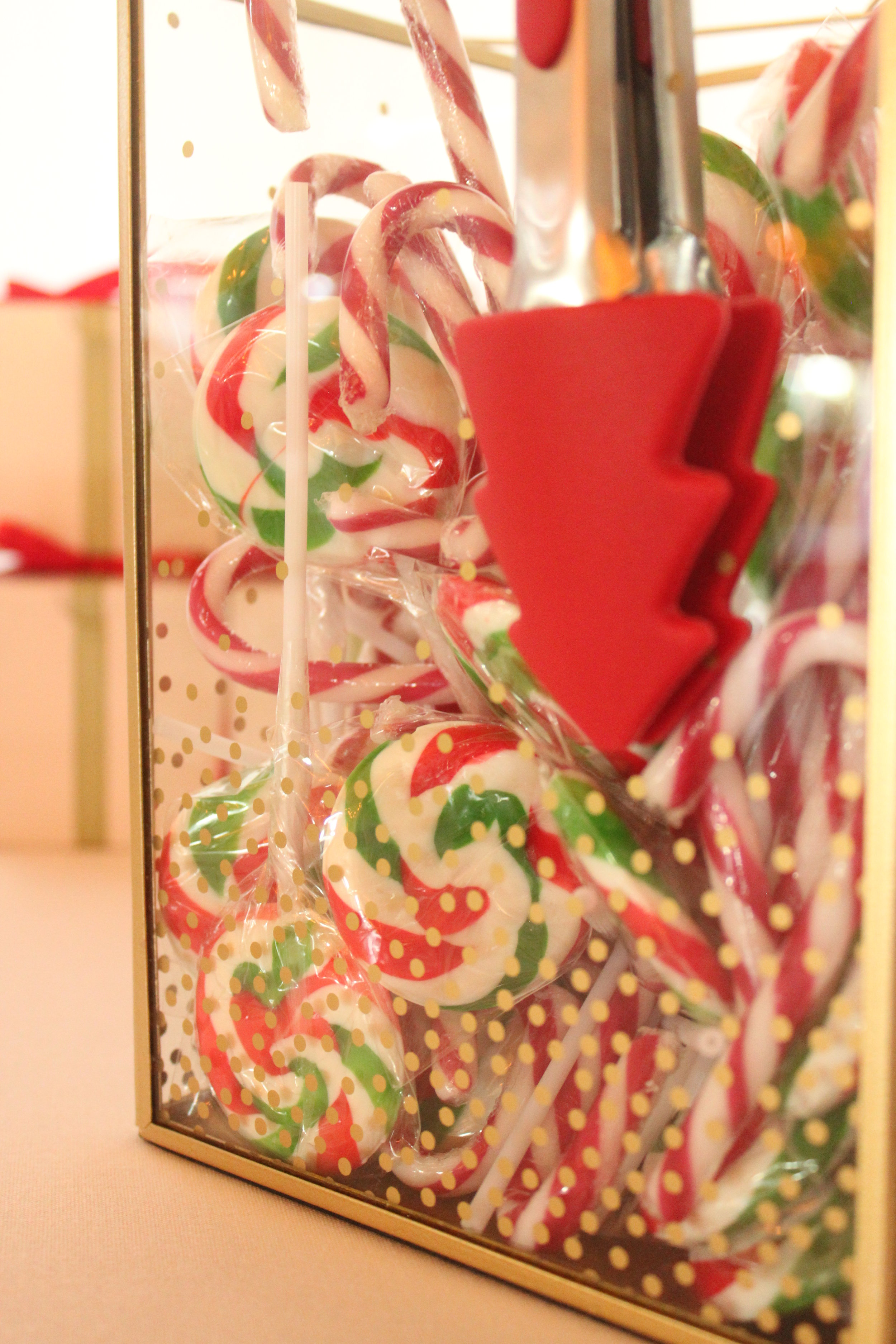Christmas Candy Bar - Red, Green, White, Gold 5/11 - Red Green Swirl Lollipops
