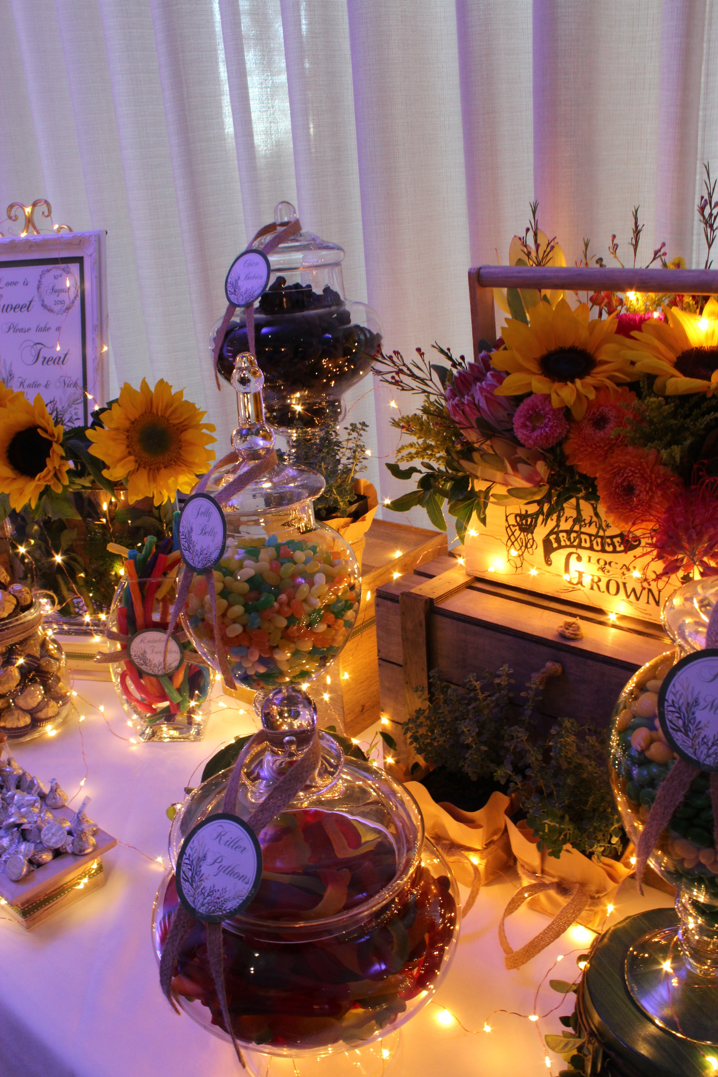 Sunflowers Thyme Lolly Buffet 6