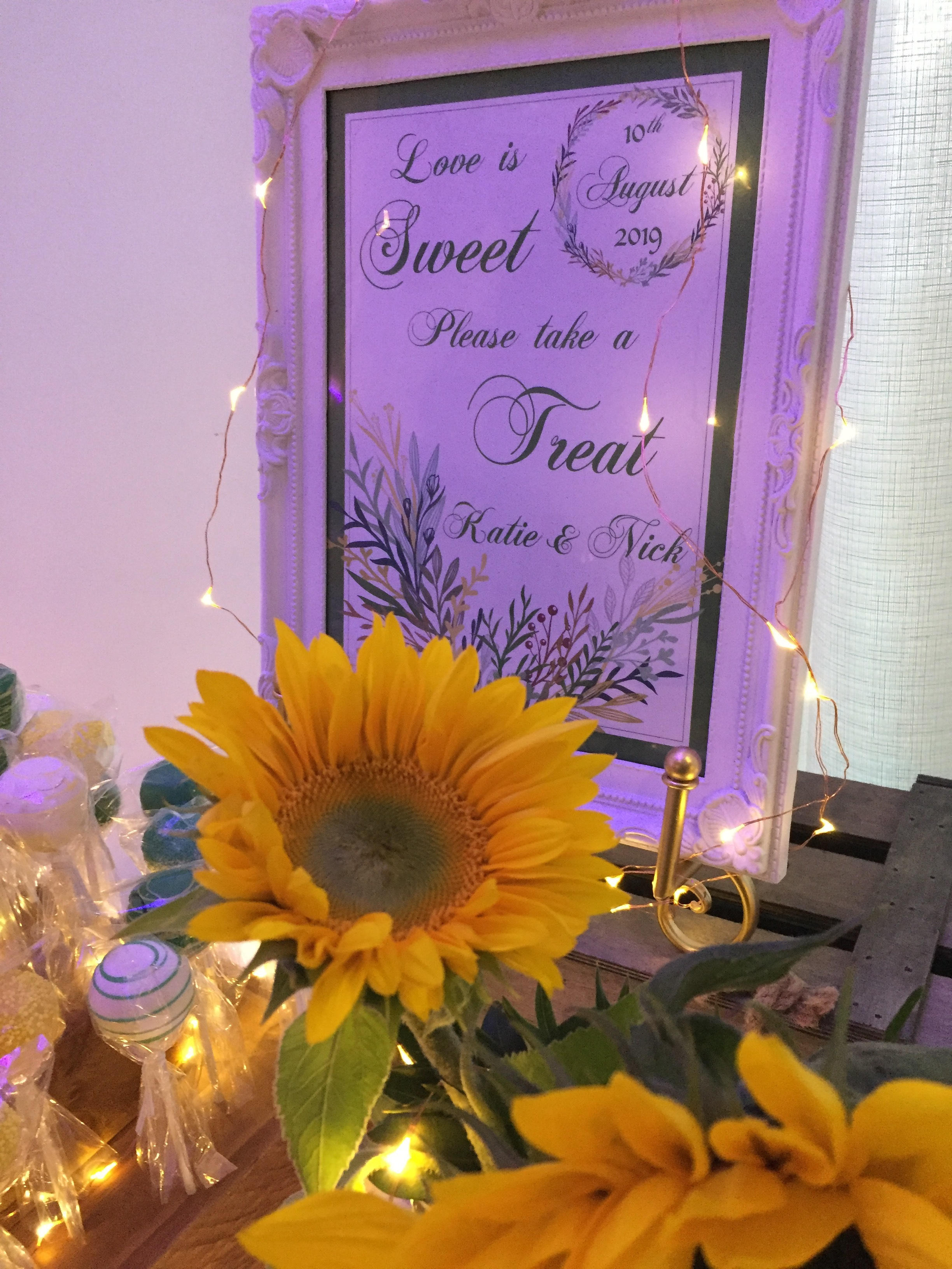 Sunflowers Thyme Lolly Buffet 11