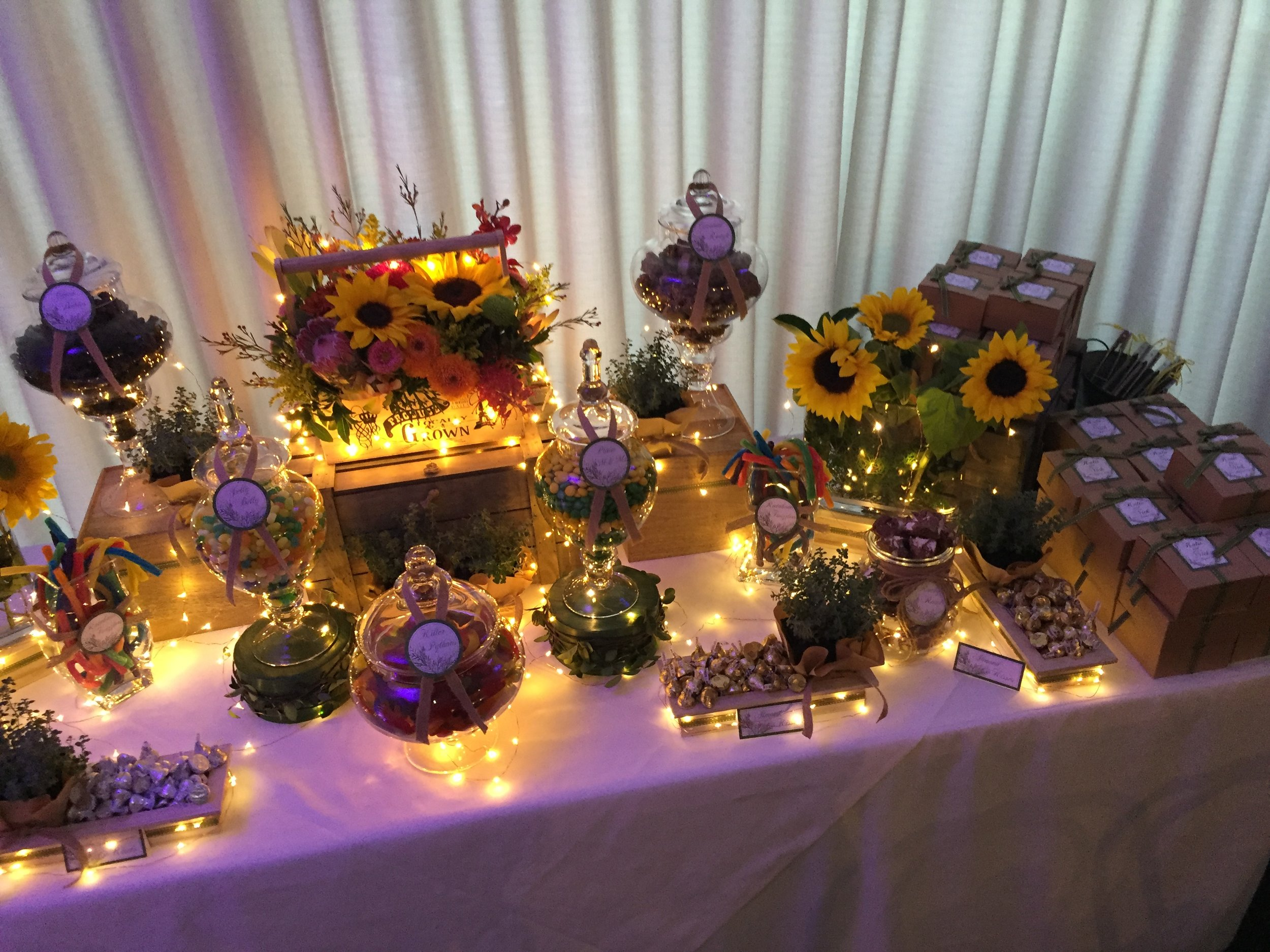 Sunflowers Thyme Lolly Buffet 13