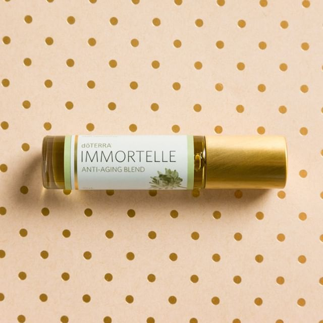 Every morning I look at my oil chest, my modern medicine cabinet, and I do muscle testing to find out which oil my body is calling for. The past few days it has been calling for Immortelle. Immortelle is our 'Anti-Aging' blend that is filled with precious flower oils like rose and jasmine. It's typically used for things like wrinkles or age spots. . I just went and looked up the emotional benefit of what this oil does. . IMMORTELLE: Abandoned. A feeling of being given up on, deserted, left behind, or separated from someone or something. May surface during times of change or moving forwards. . OMG..spot on with how I have been feeling ever since Andrew left me in Ireland. This oil is speaking to my heart and soul. 💮 . Learn More About Immortelle ➡️ http://bit.ly/2DnUD7I . .  #blessed #essentialoil #essential #doterra #aromatherapy #jobopportunity #healthytips #holistic #braintumor #sahm #natural #skin #happy #youngliving #instagood #healthy #natural #kids #oils #oil #love #detox #doterra #healthytips #naturalliving #livenatural #photooftheday #essentialoils #allisonhuish