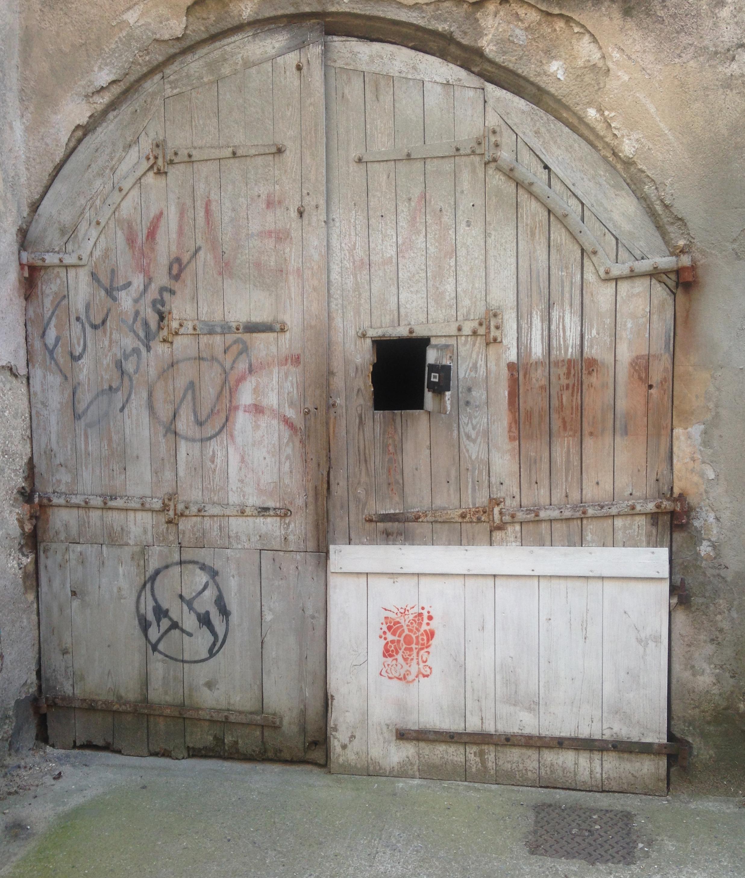 Mysterious wooden door, Lasalle.