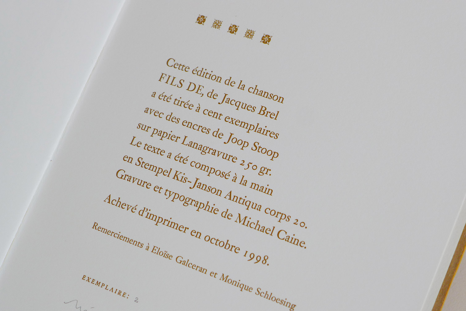 michael-caine-petropolis-brel-L1680071.jpg