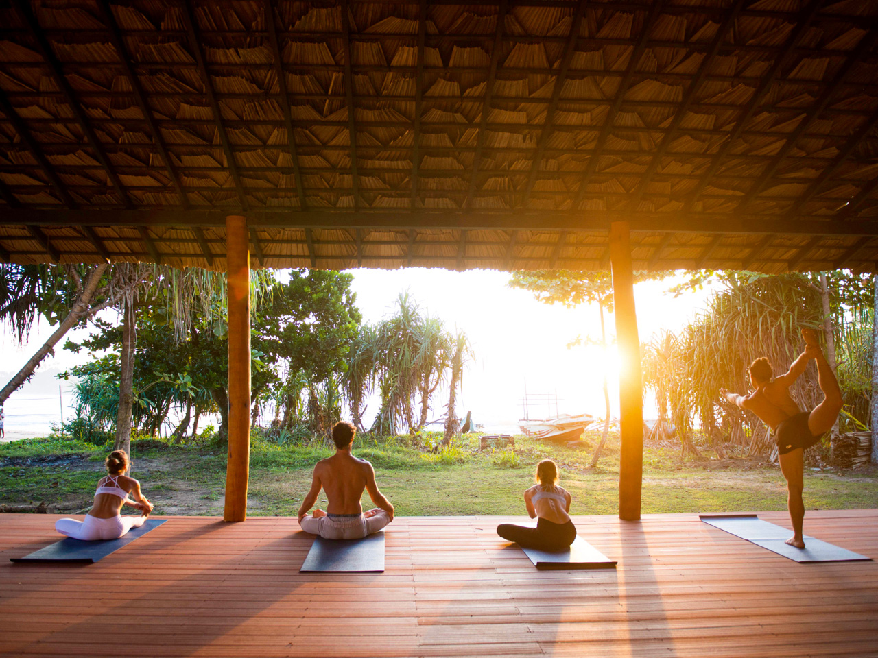 Yoga Explorers yoga retreat in Sri Lanka - sunrise yoga