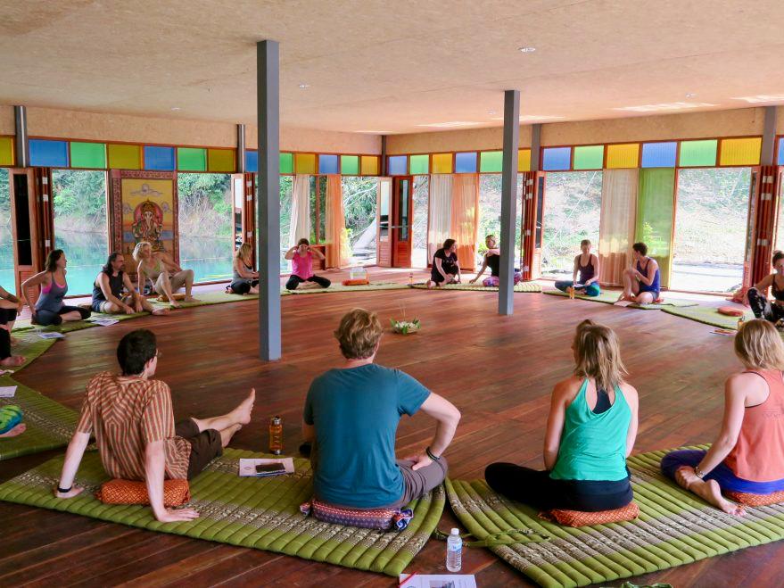 6-indoor-group-circle-sit-1170x659.jpg