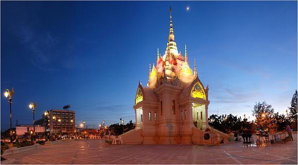Surat Thani City Pillar Shrine.jpg