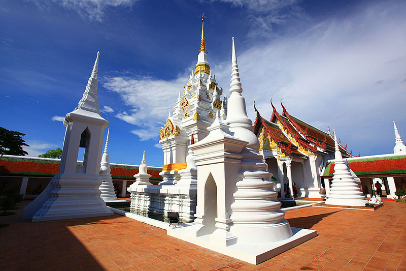 Wat_Phra_Boromathat_Chaiya_(Thailand).jpg