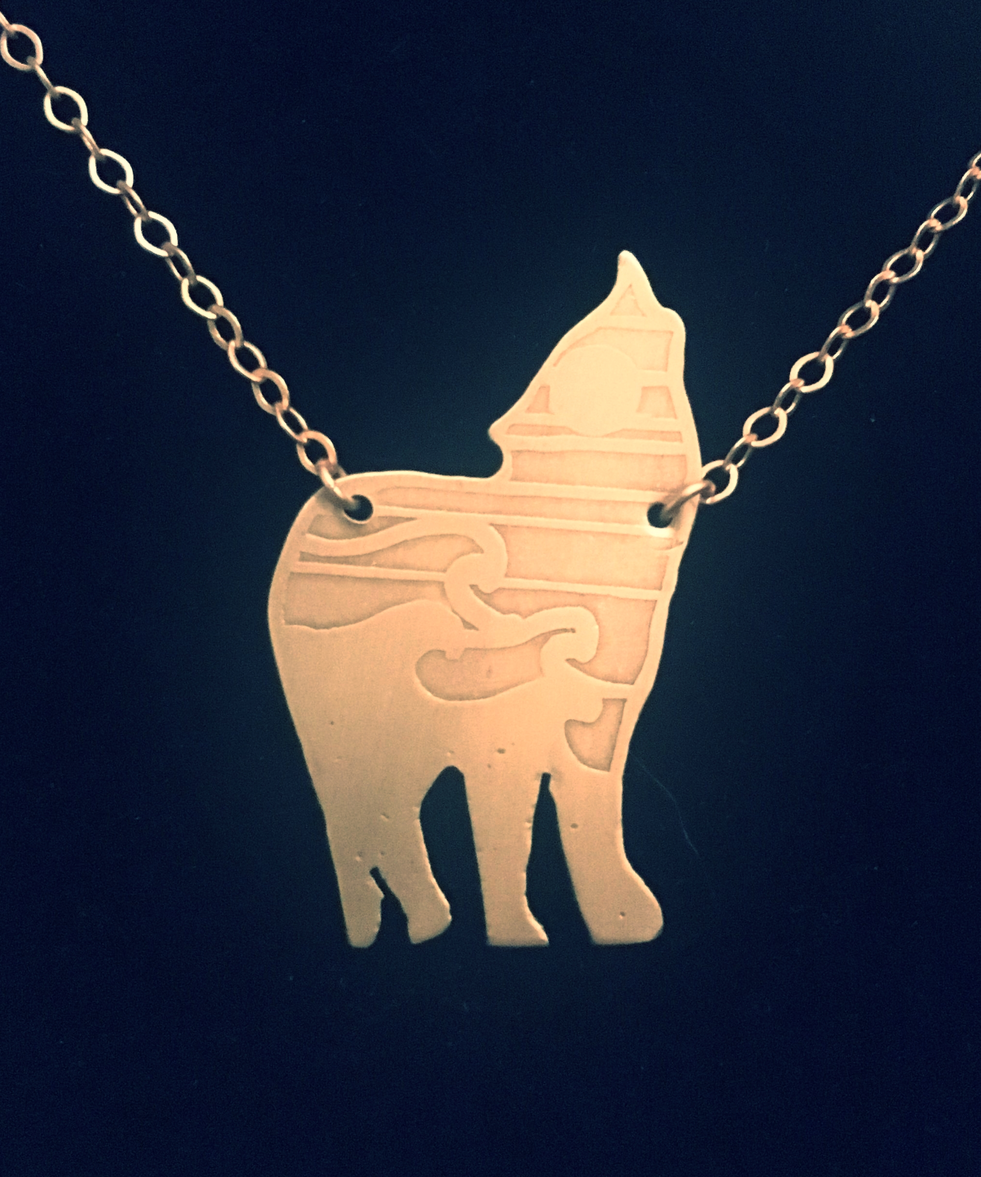 Wolf_Back_Necklace.jpg