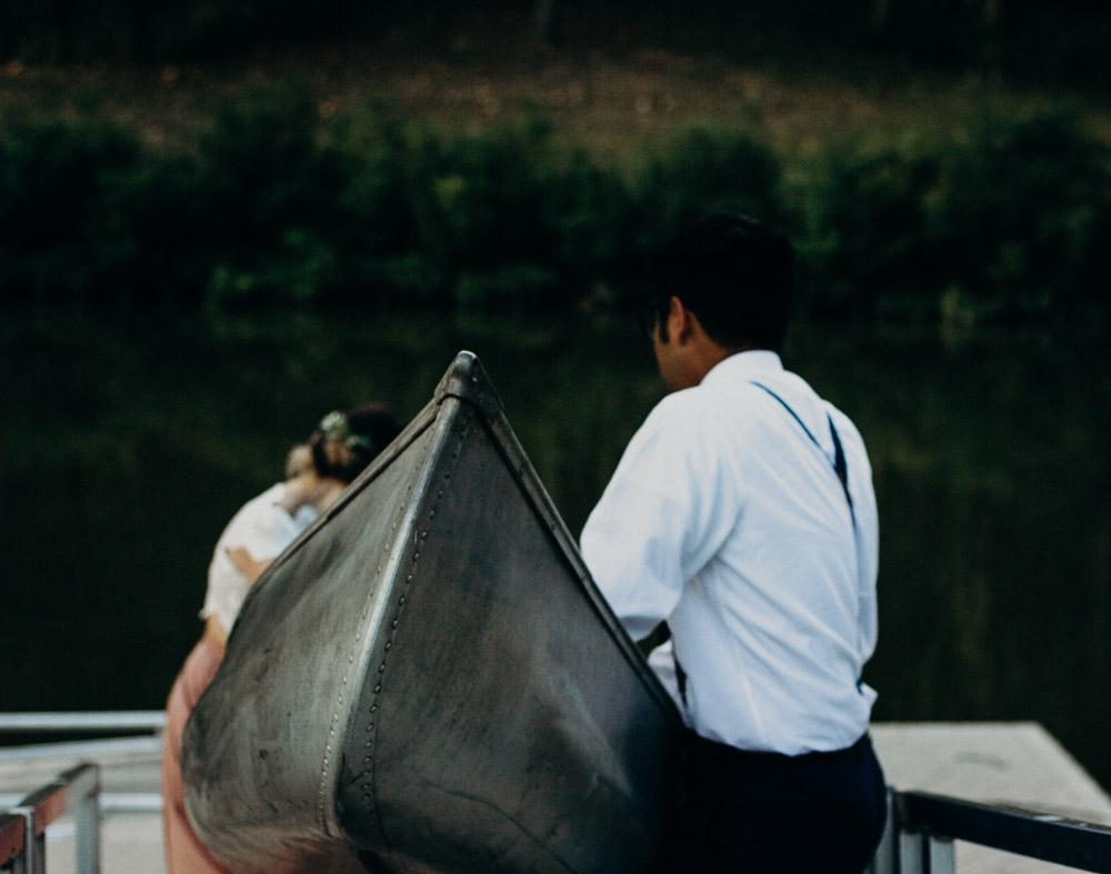 outdoor-canoe-engagement-session-3928.jpg