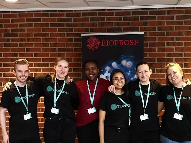 Da er Helix i gang som frivillige på #BIOPROSP_19 😄
