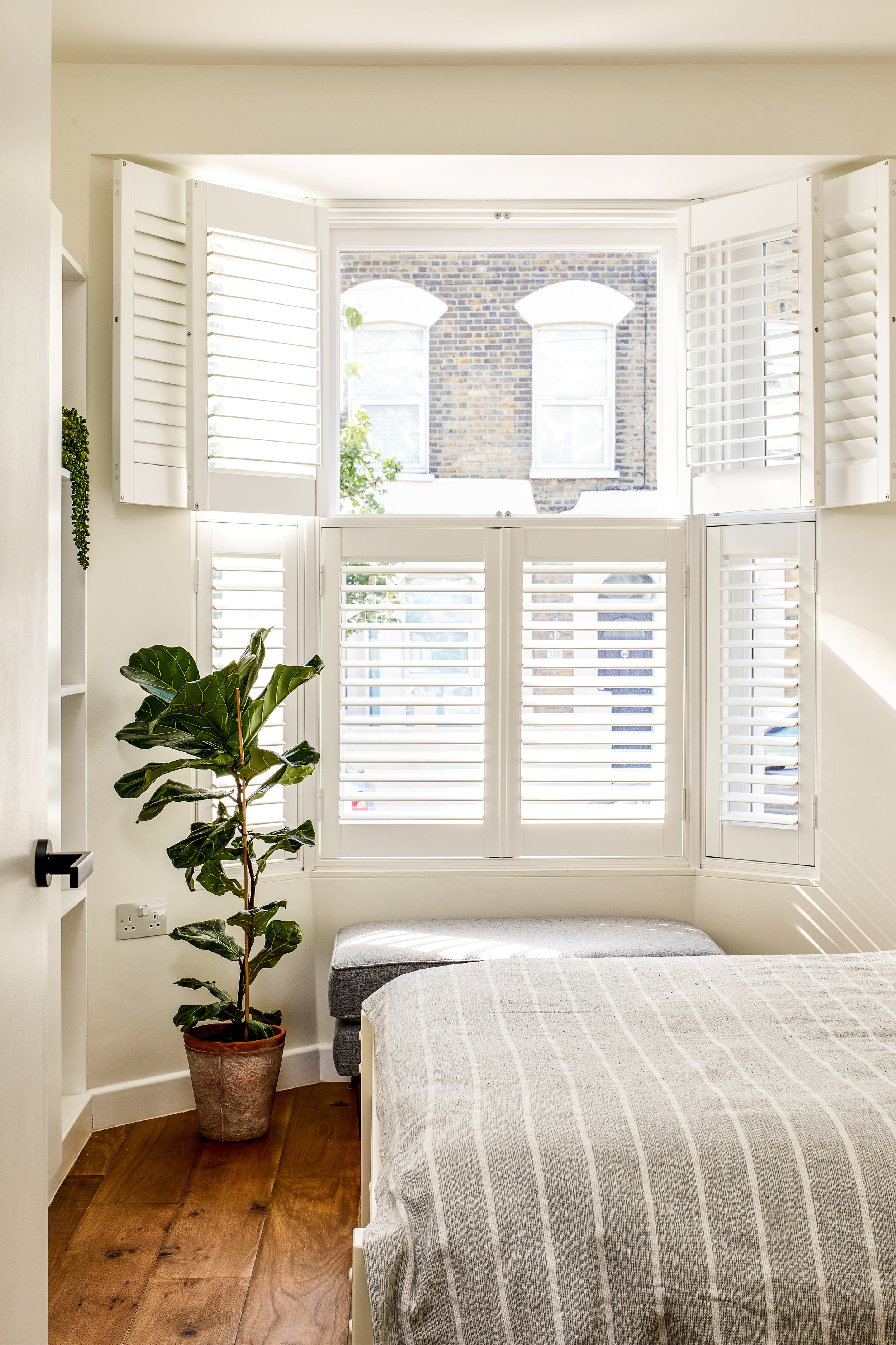 London bedroom.jpg