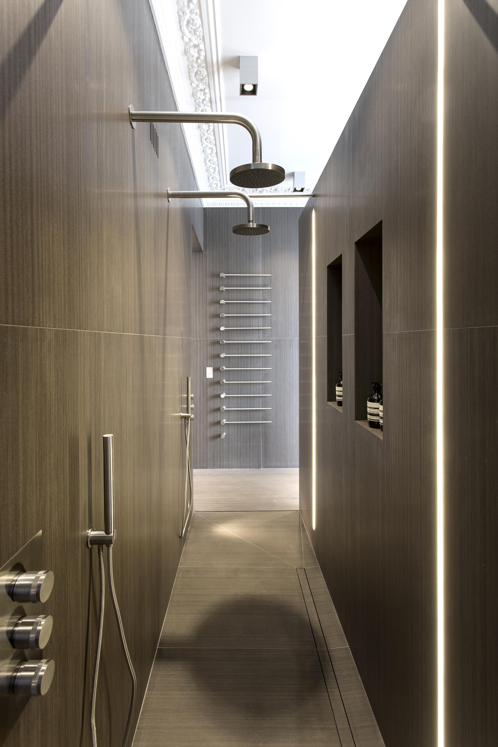 05_First_Bathroom1_Shower01-9928.jpg