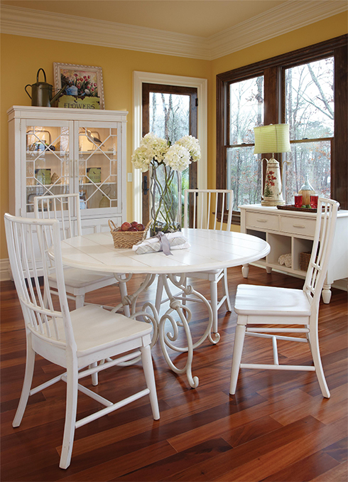Sea Breeze Casual Dining at Belfort Furniture