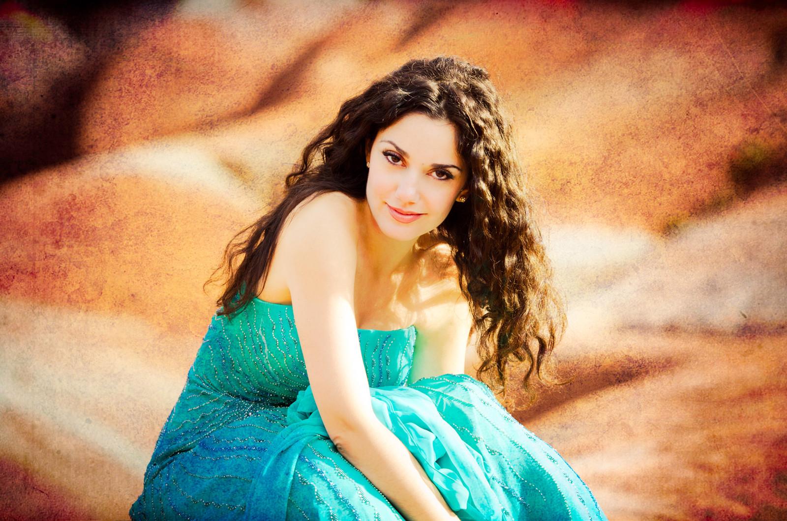Alcina  /  Miriam Khalil