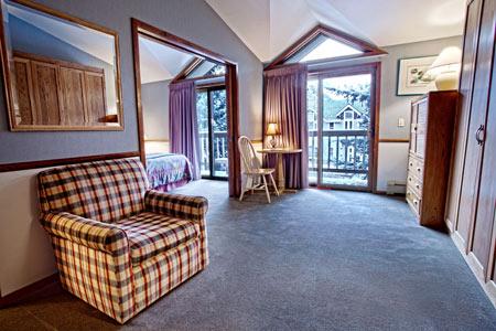 MHL_guestroom15.jpg