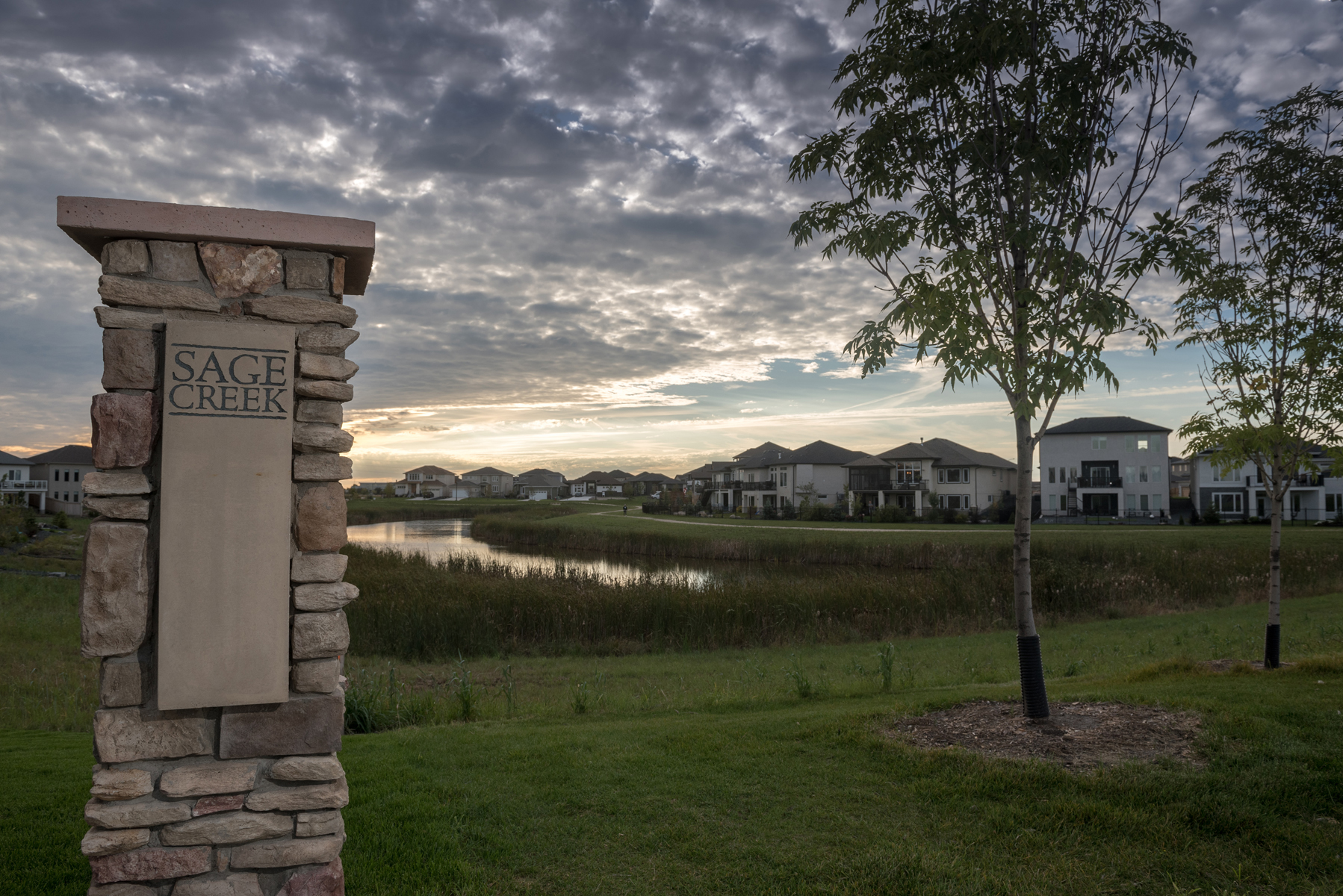 Since 2006, more than 1500 families have made the move to Sage Creek. - A trailblazing community, Sage Creek is ideal for families that are looking to live in a neighbourhood that's teeming with energy and life.