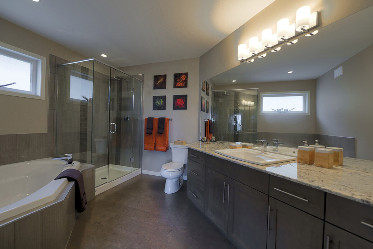 09-2114sqft_Emerald ii_Ensuite_Bungalow_Bridgwater Lakes.jpg