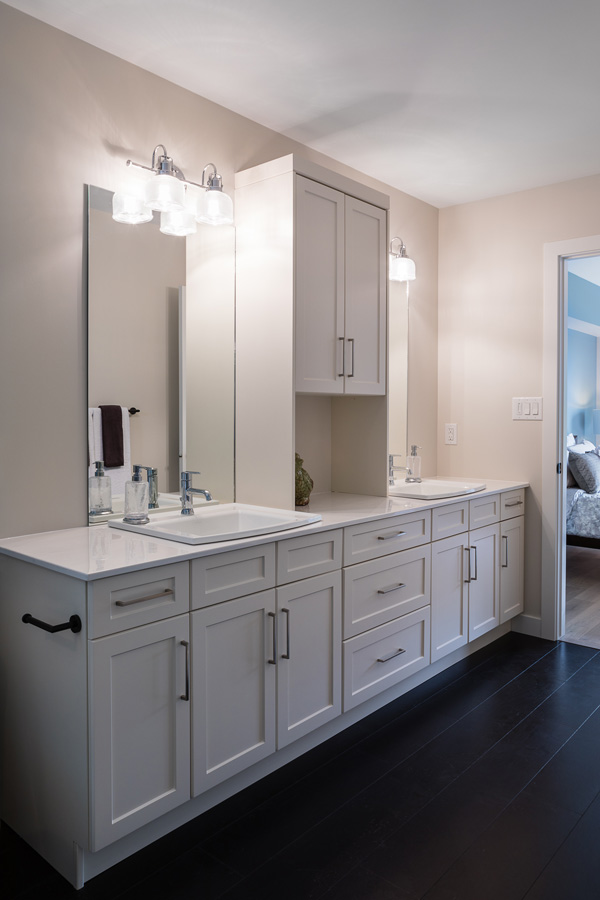 1751sqft_emerald v_bungalow_interior_ridgewood west_ensuite cabinetry.jpg