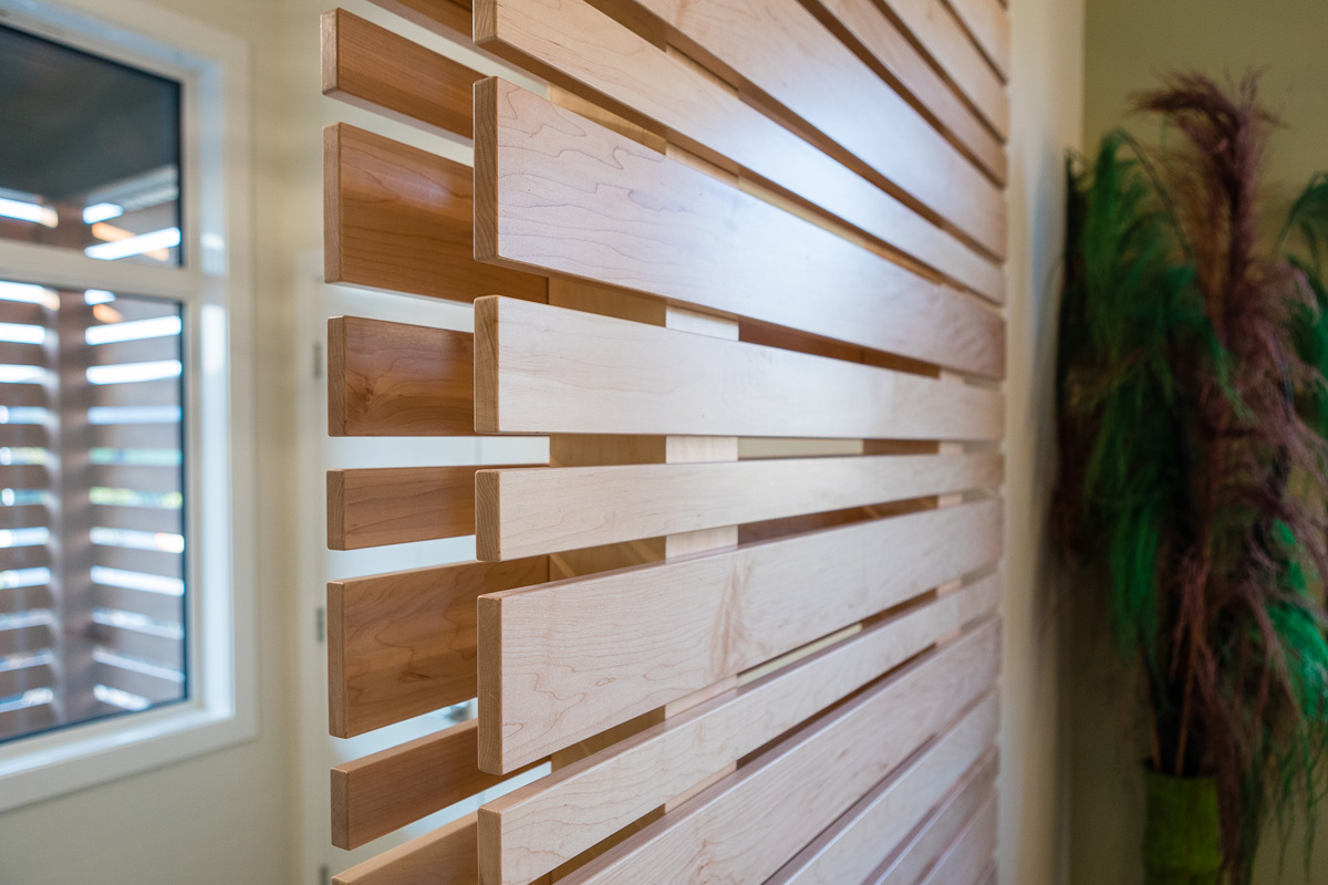 1815sqft_silverstone ii_bungalow_interior_sage creek_wood wall divider.jpg