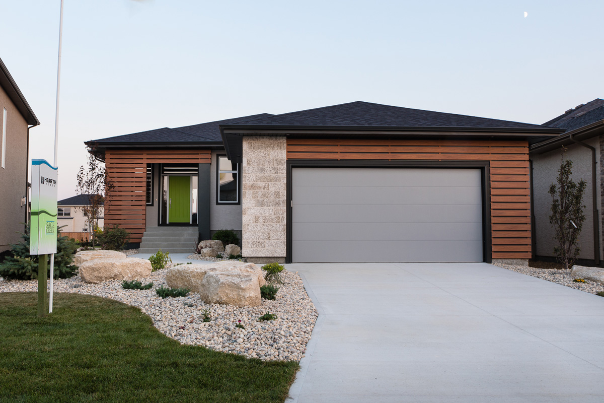 1815sqft_silverstone ii_bungalow_exterior_sage creek_front elevation.jpg