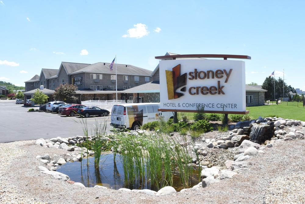 Stoney Creek Hotel and Conference Center.JPG