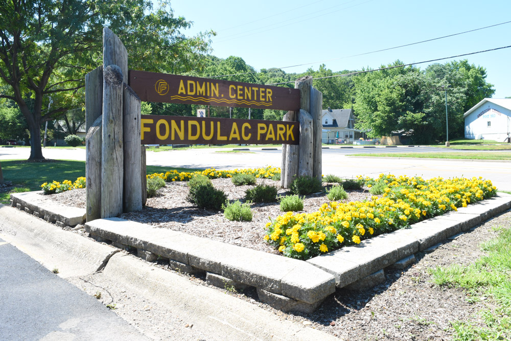 Fondulac Park Administration.JPG