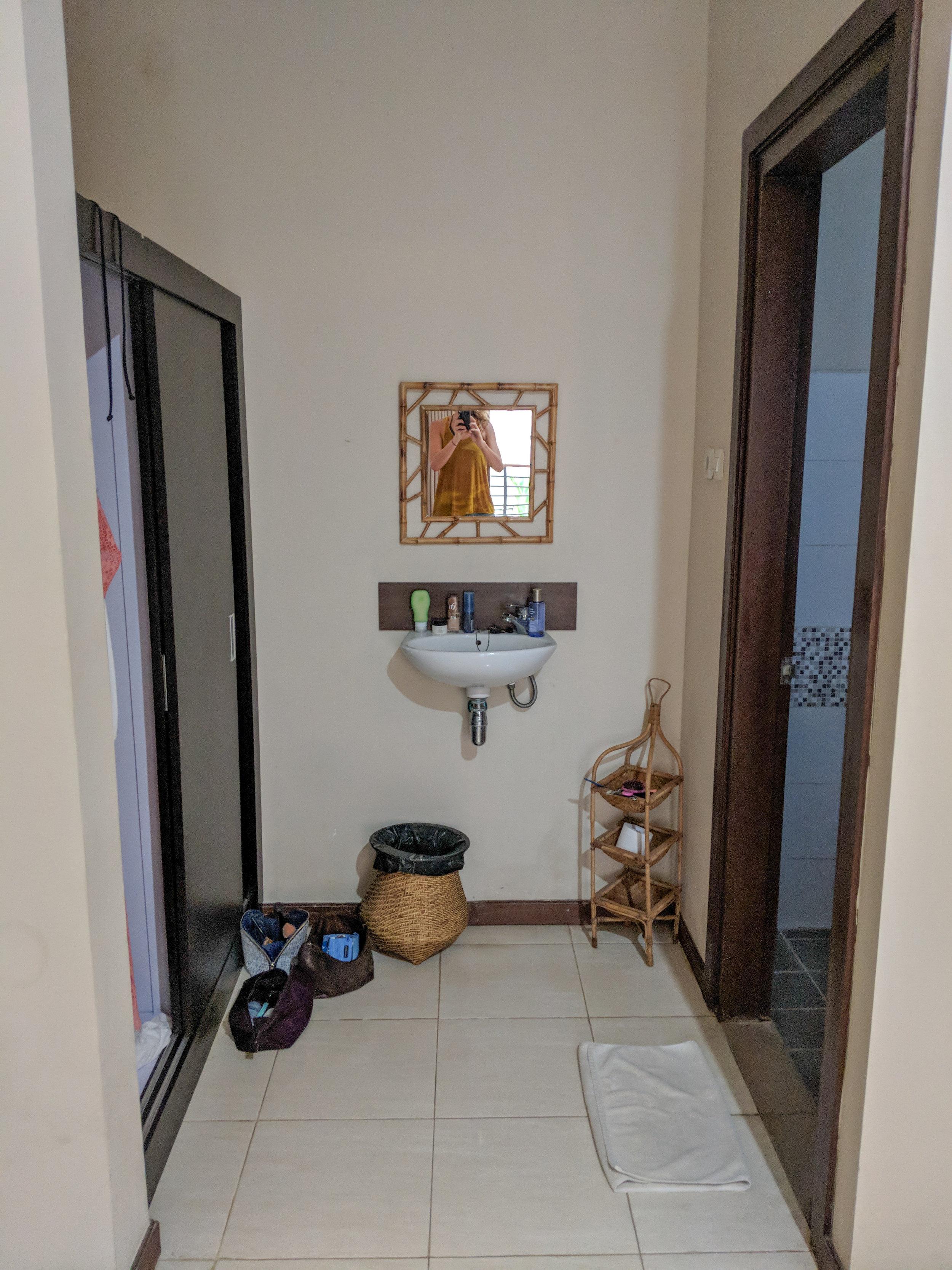 Bona Kubu Bathroom and Closet