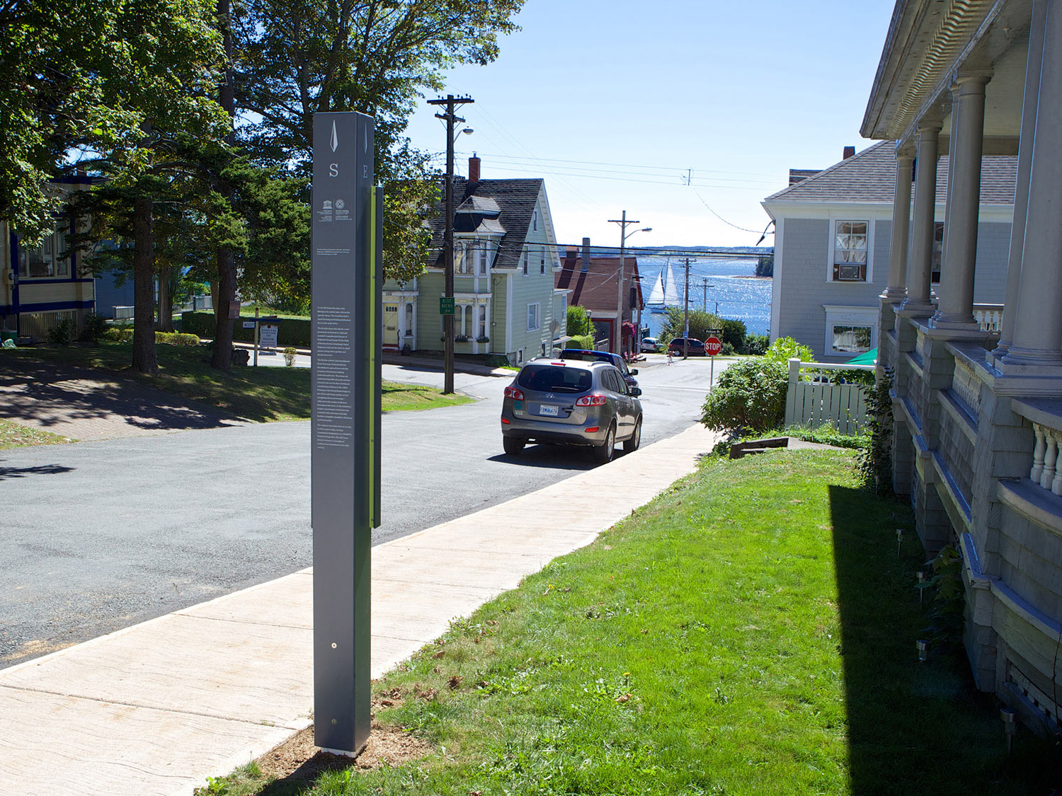 EXPLORE LUNENBURG The signage system promotes walking from the downtown core through to less explored residential areas