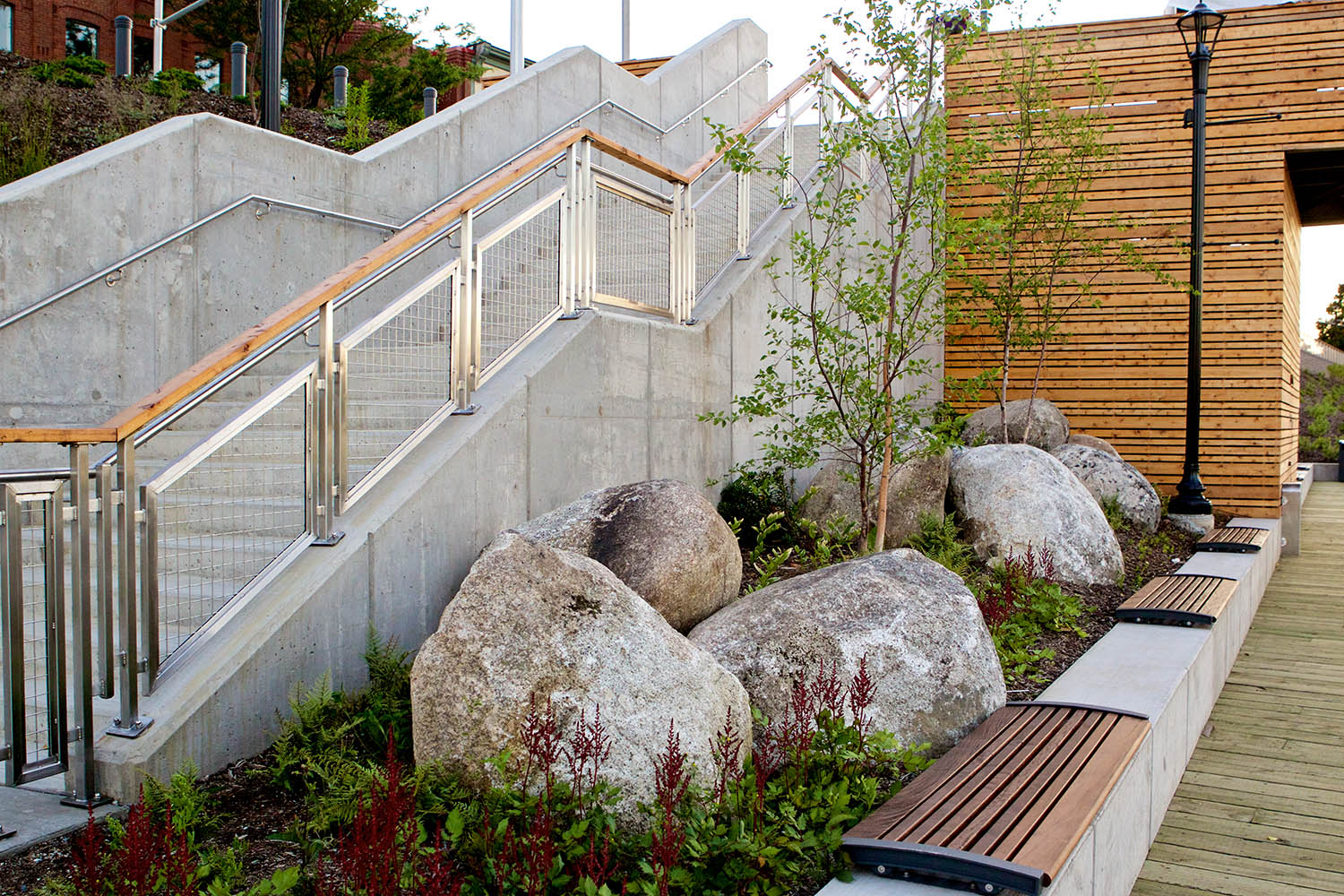 Gardens and benches bring life and activity to the previously inaccessible waterfront.