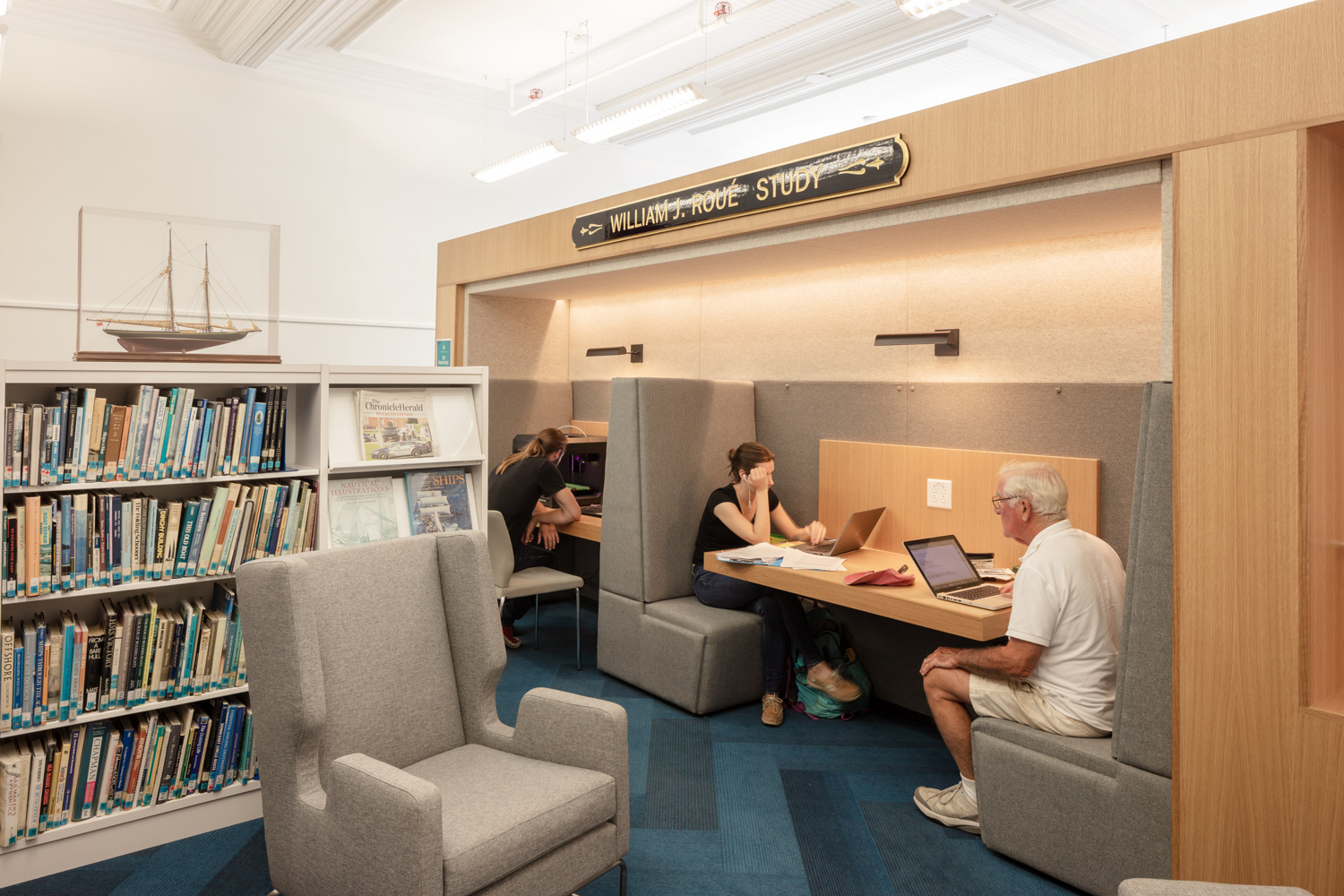 Youth---Lunenburg-Library---credit-Julian-Parkinson---28AUG2018_06A0703-web.jpg