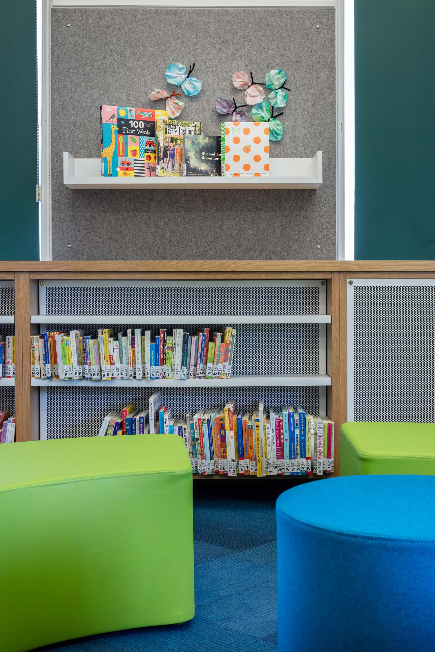 Child---Lunenburg-Library---credit-Julian-Parkinson---28AUG2018_06A0600-web.jpg