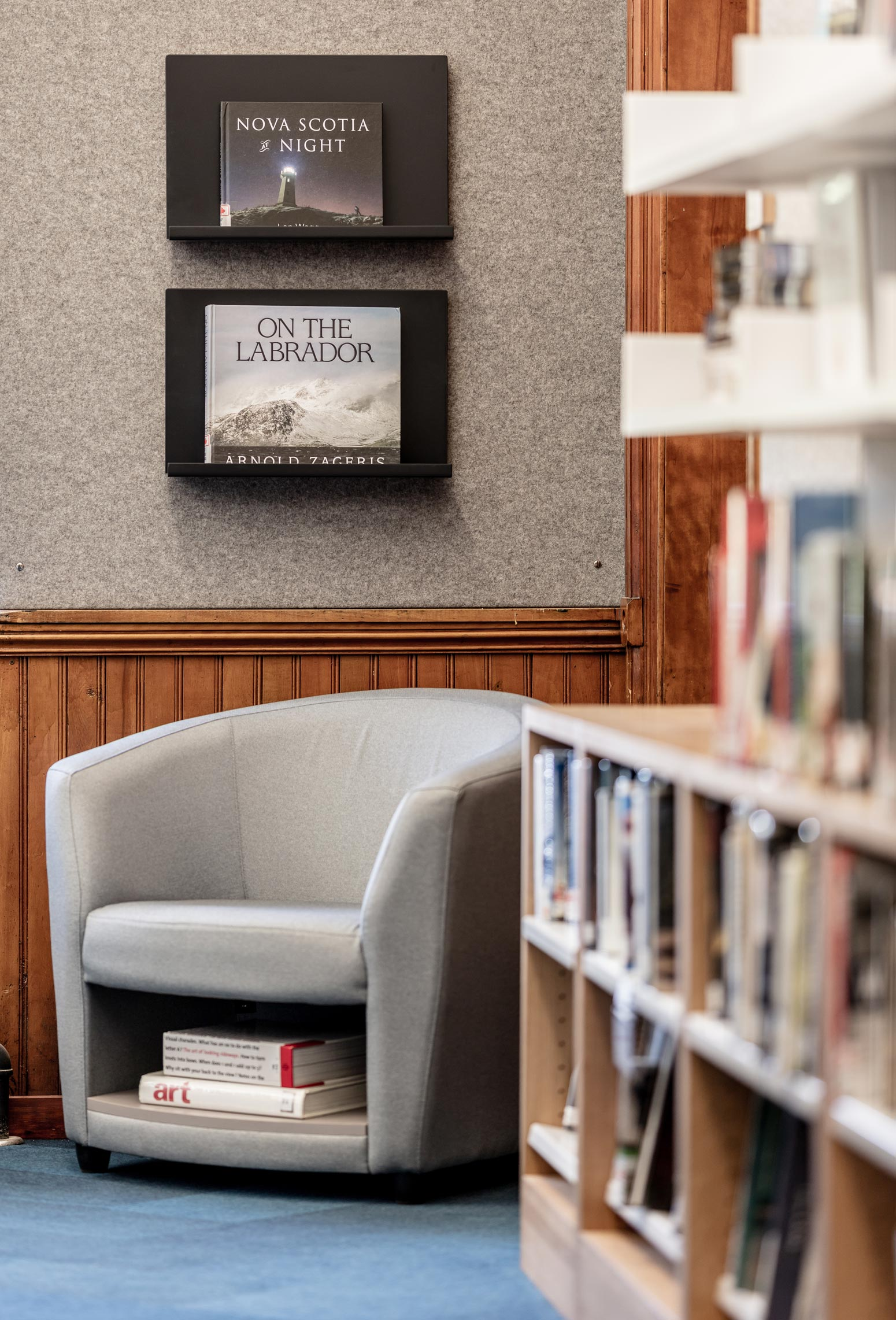 Adult---Lunenburg-Library---credit-Julian-Parkinson---28AUG2018_06A0650-web.jpg