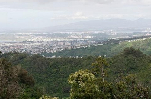 View over Honolulu after cresting the first big climb.  Photo by Robert P. Smith.