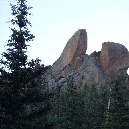 Less than a mile in, we pass the rocky crags that give the Crags Campground and Trailhead their names.
