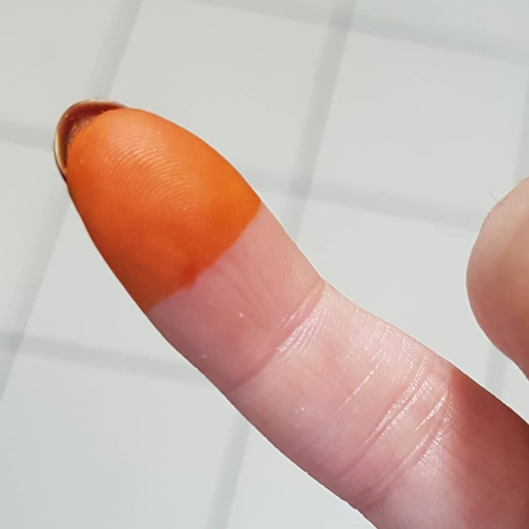 - Testing to see if paste is ready:You should get a pumpkin-orange stain after testing on skin for five minutes.