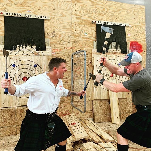 For the best country music in Tampa, follow @gregwhitejrmusic. Then grab your kilt & toss some weapons with us! 🎯 — #ral #raideraxelodge #axethrower #axethrowing #kilt #weapons #survivalist #ax #knives #spear #tampa #tampabay #tampateambuilding #tampabirthday