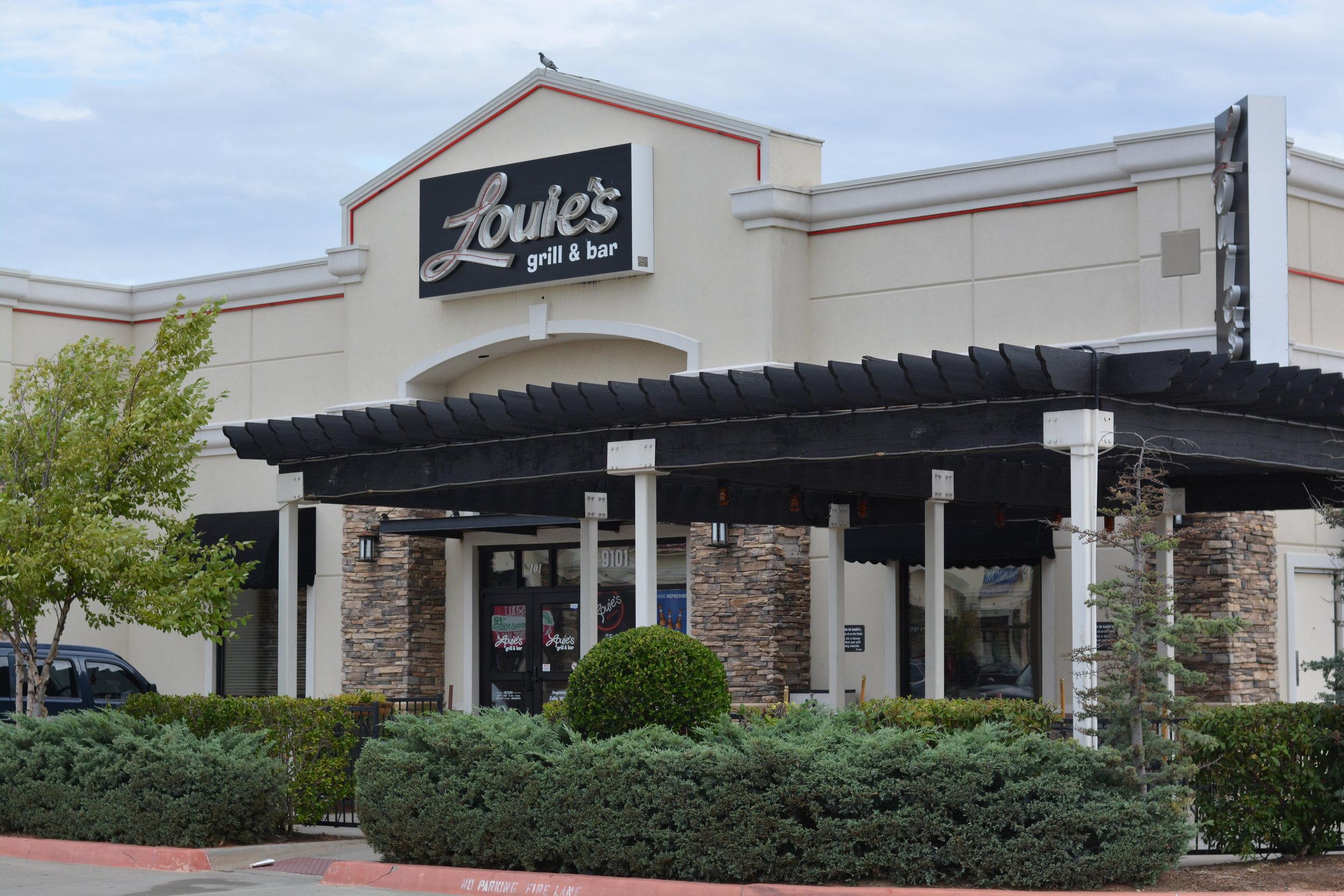 Louie's.JPG