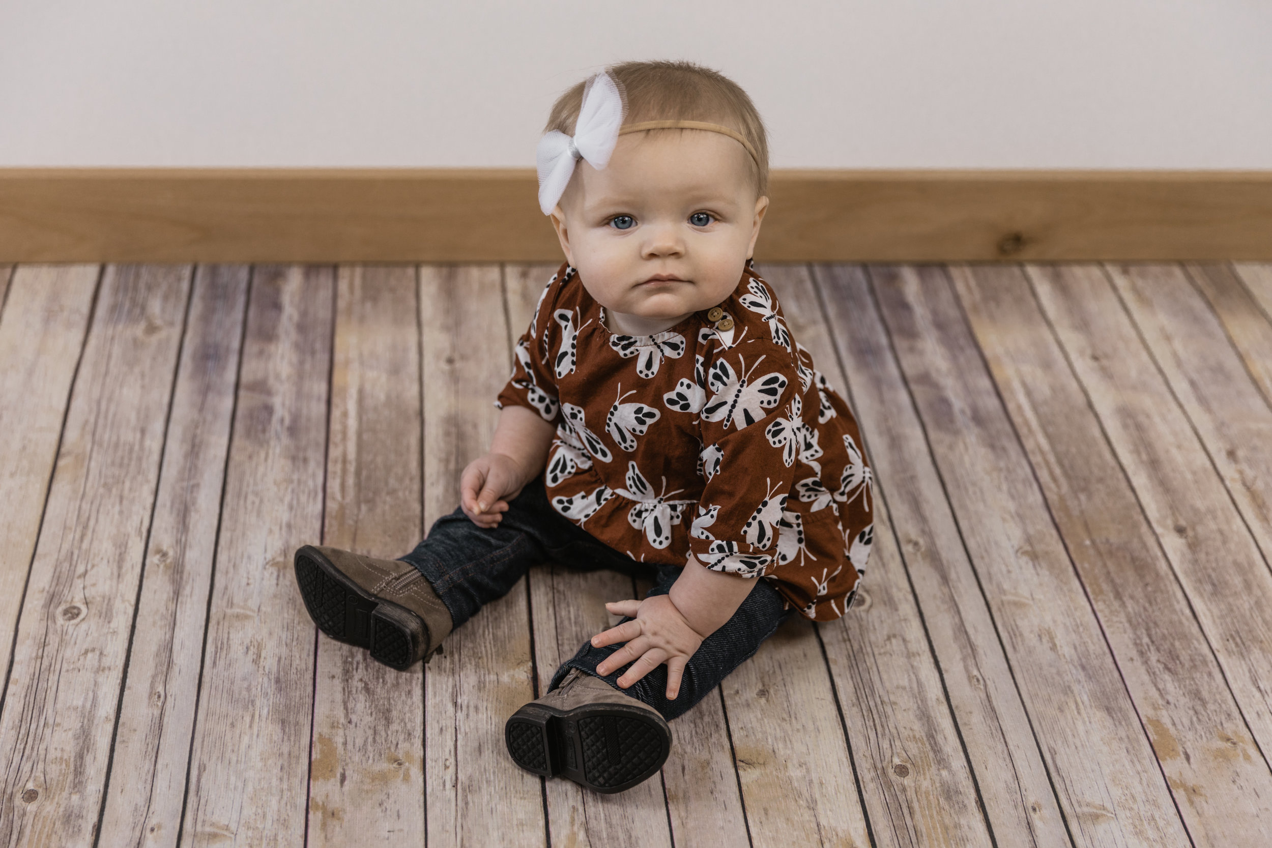 Kinley 6 Month Baby Pictures-8.jpg