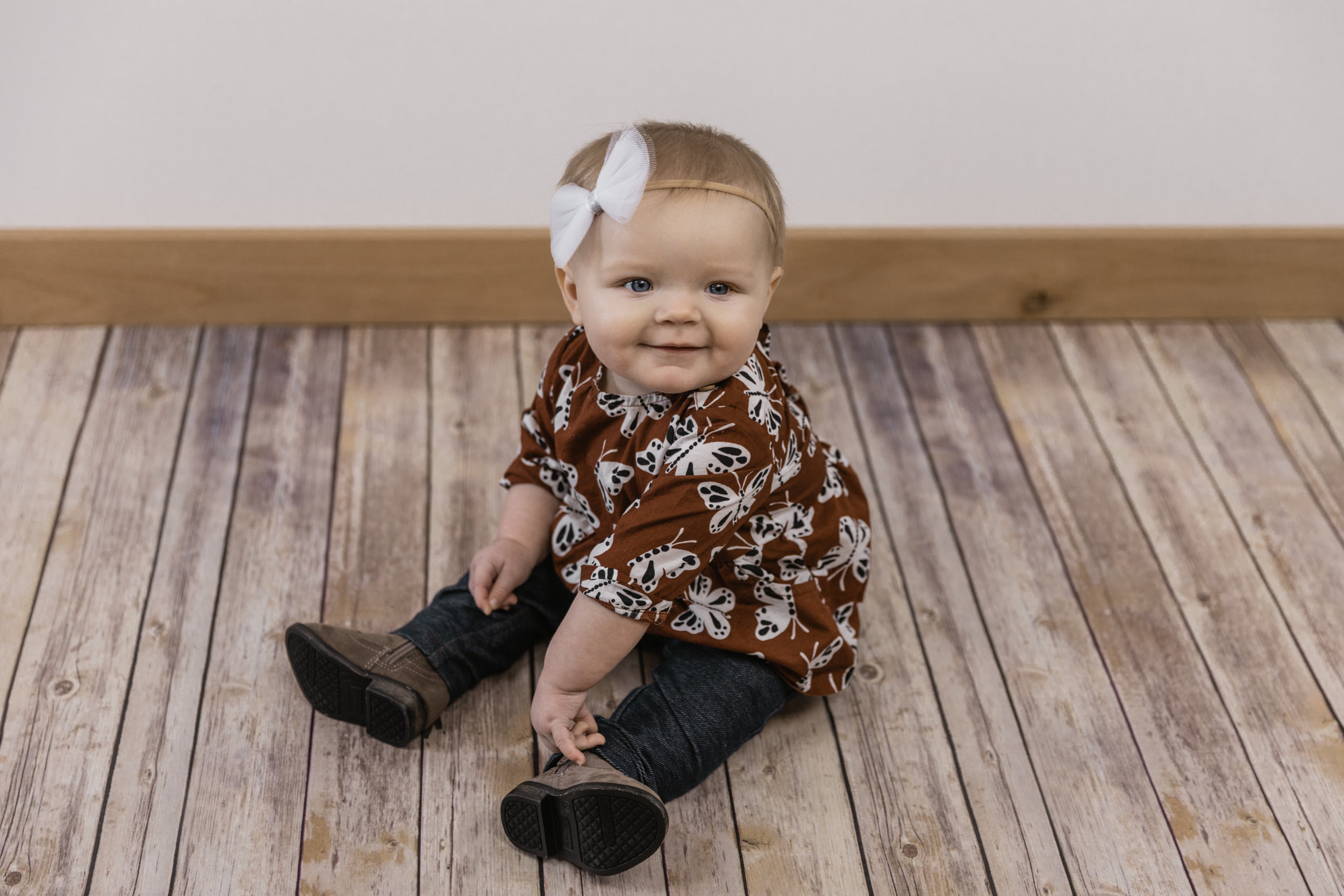 Kinley 6 Month Baby Pictures-10.jpg