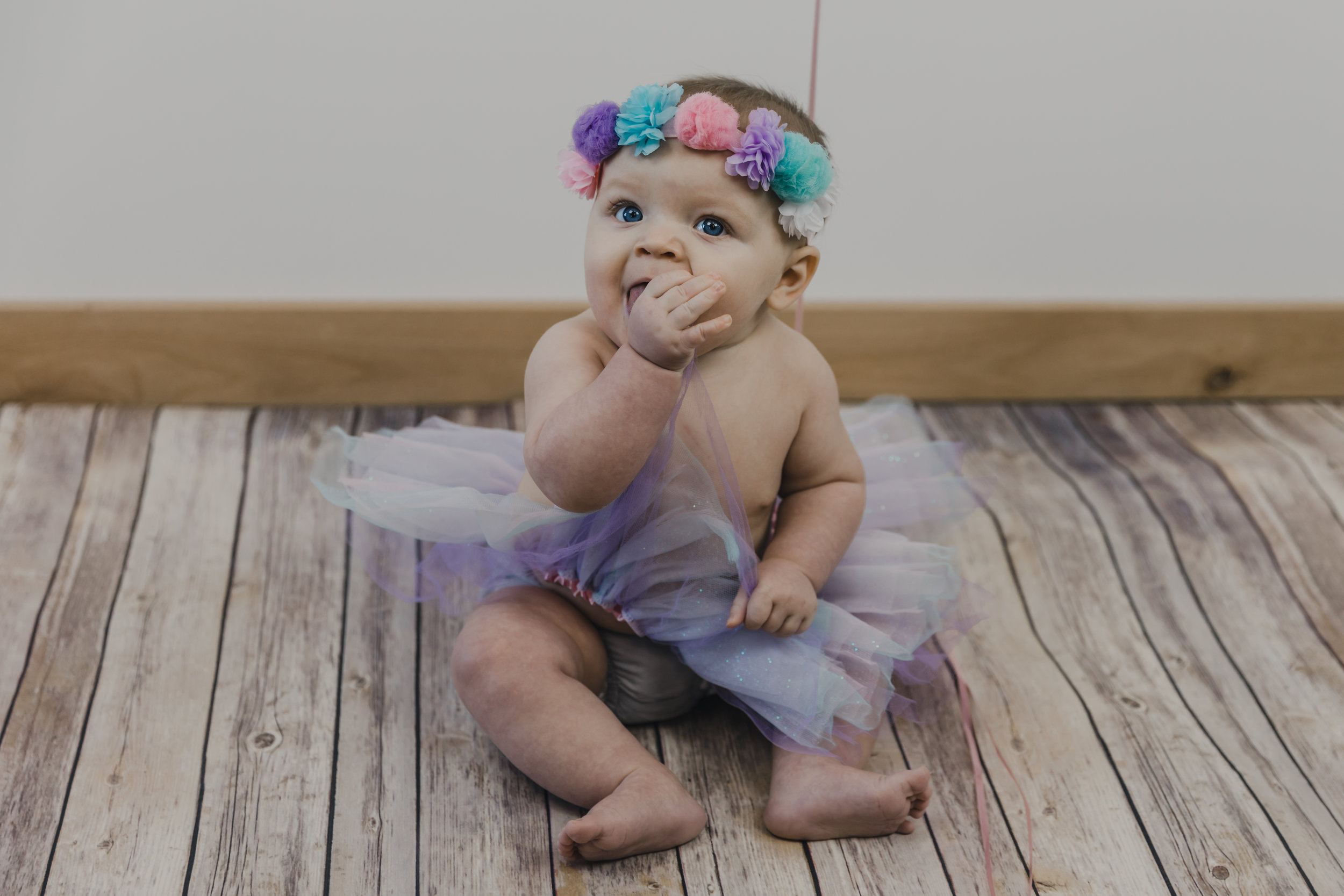 Kinley 6 Month Baby Pictures-18.jpg