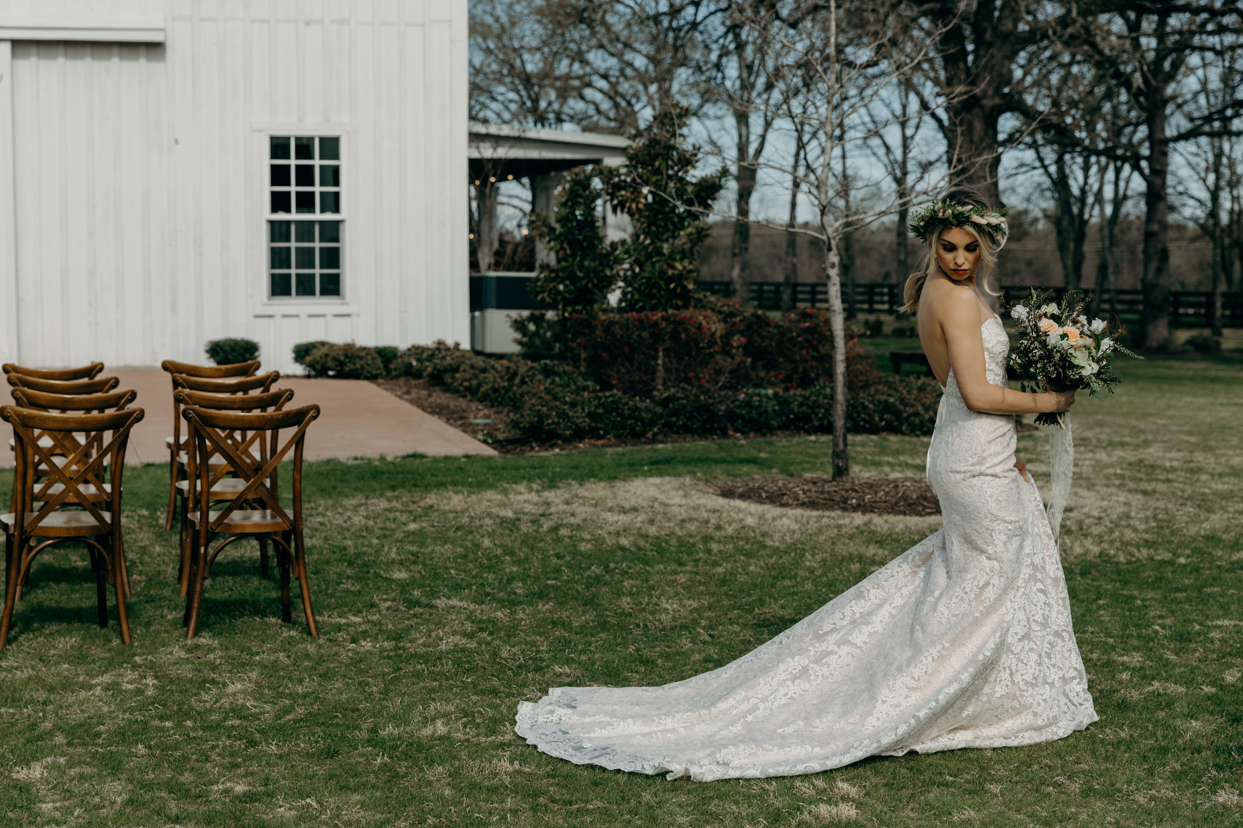 TheWhiteSparrowStyledWeddingShootinTexas-19.jpg