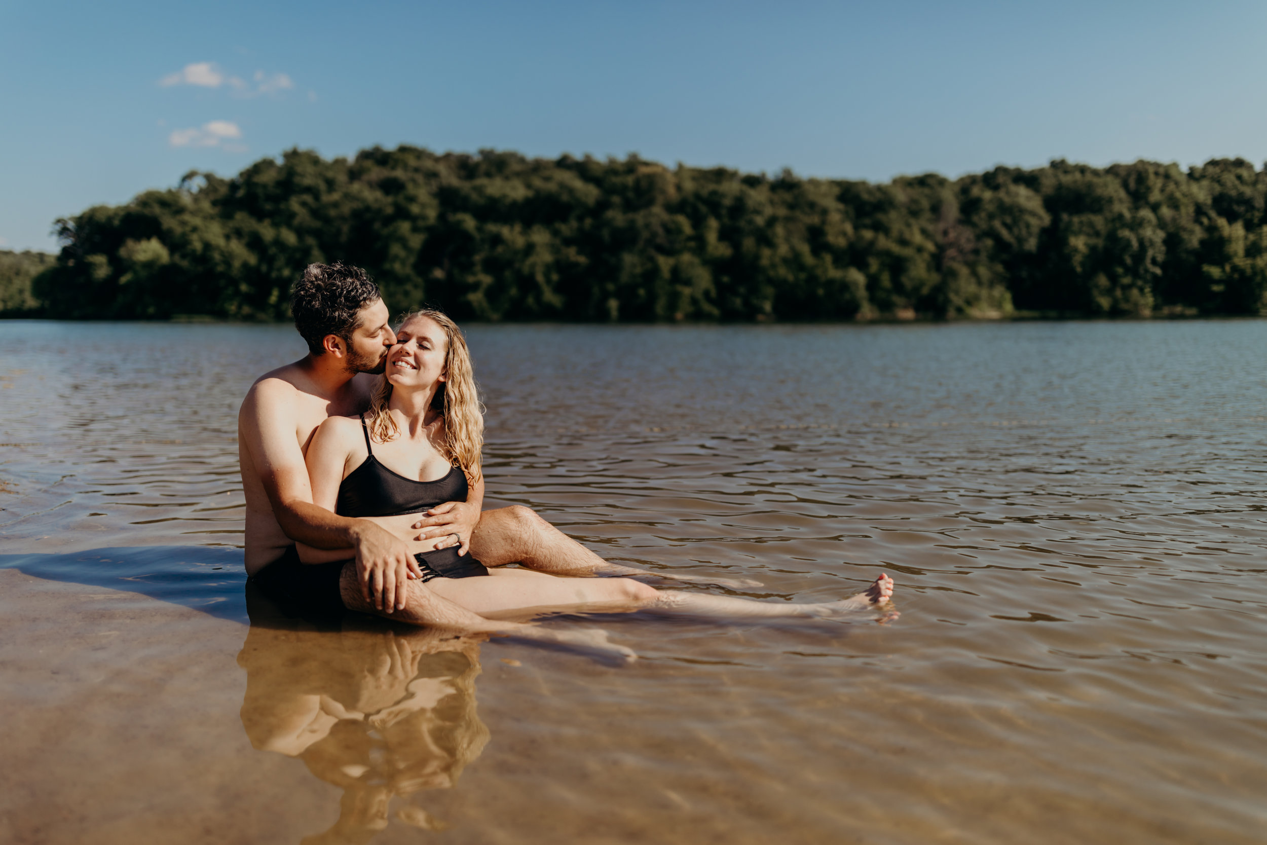 Kelsey&EvanLakeSession-40.jpg
