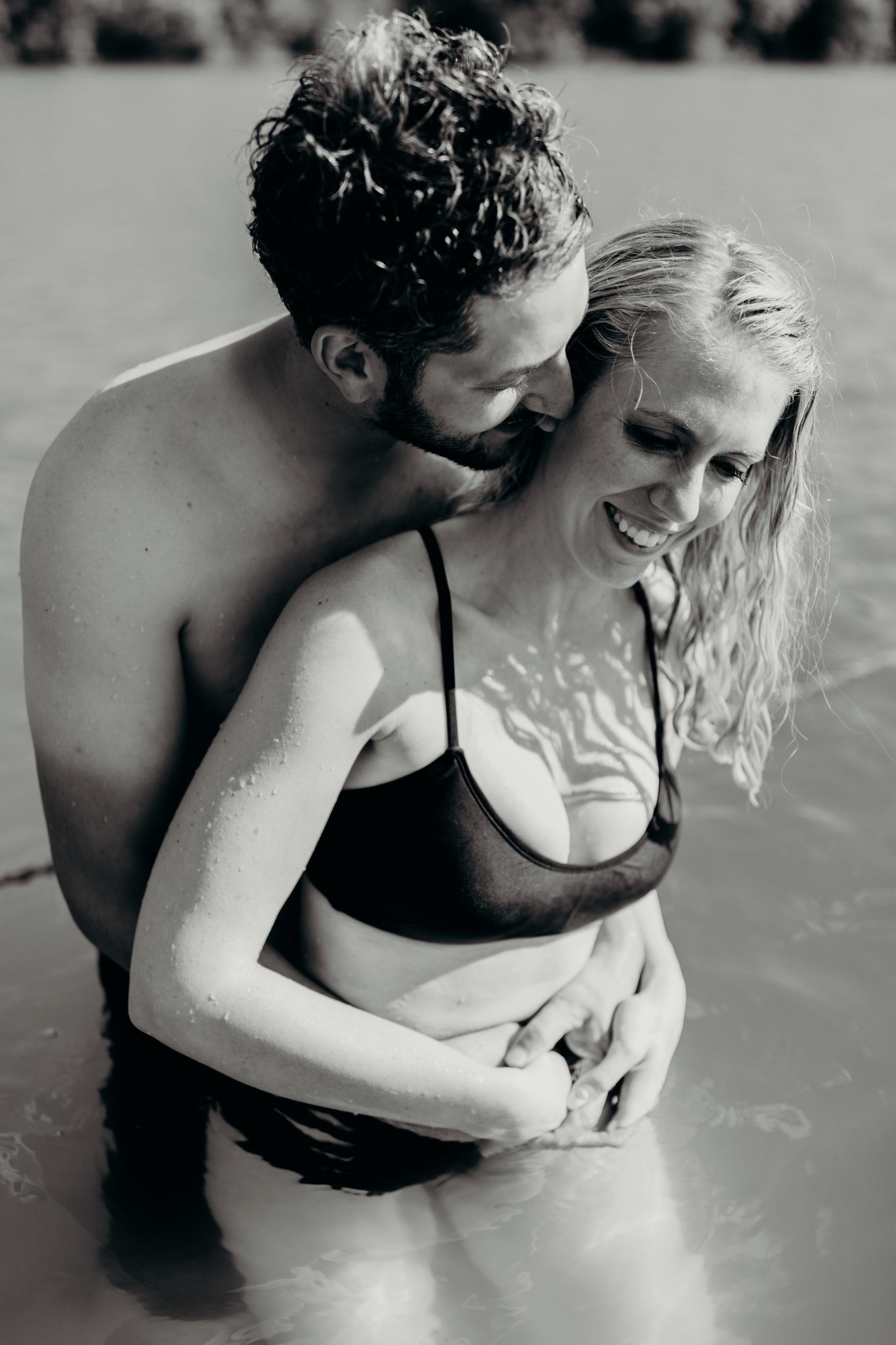 Kelsey&EvanLakeSession-46.jpg