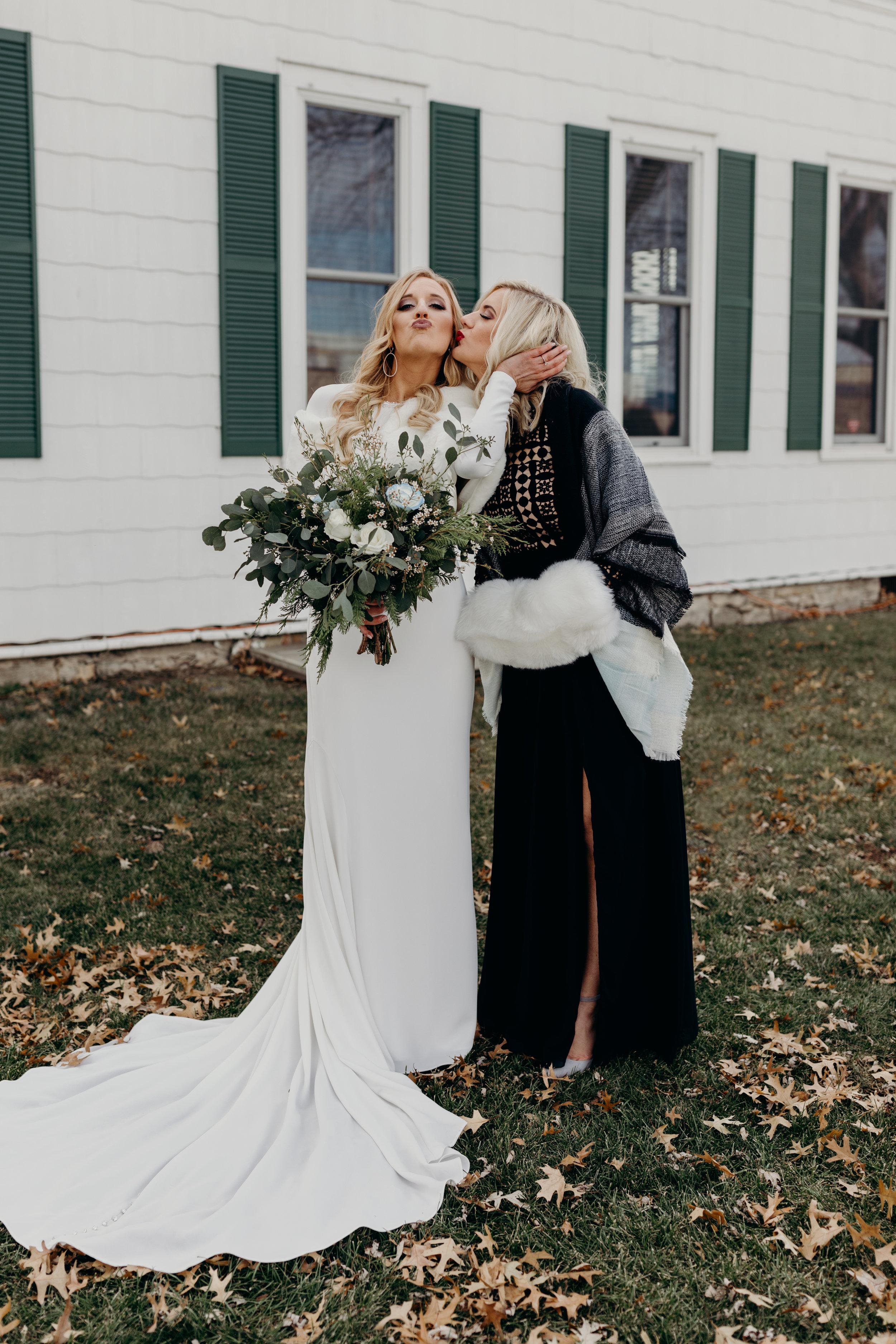 Karoline&TylerThompsonBarnWedding-260.jpg