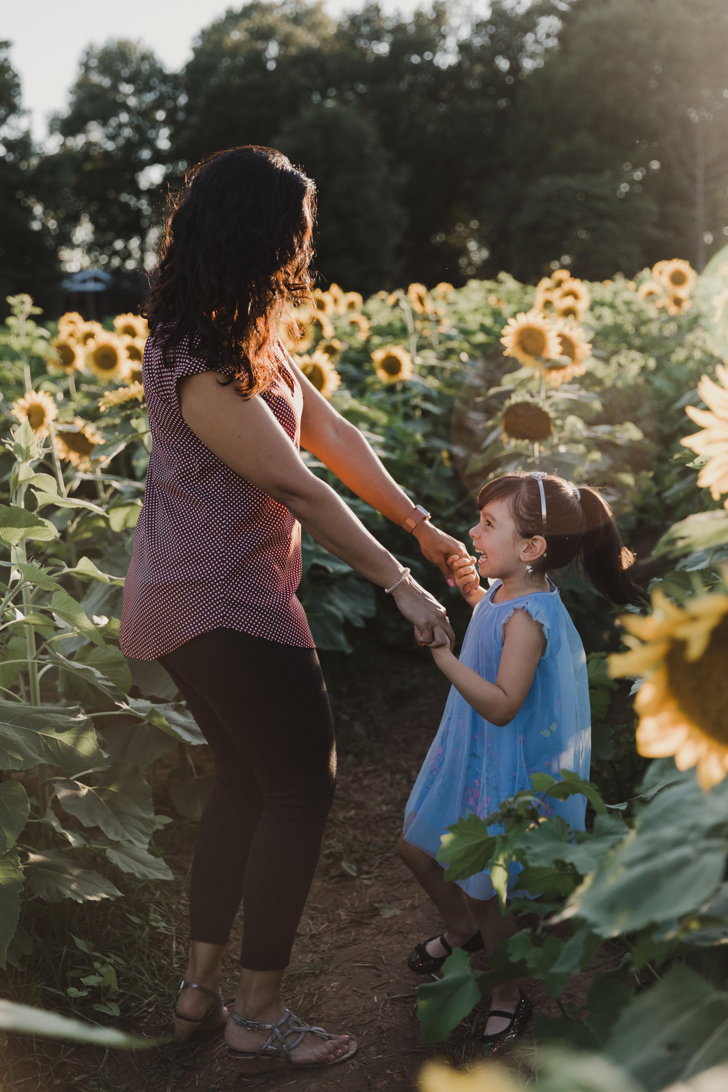 De La Cruz Sunflower Mini Session-42.jpg