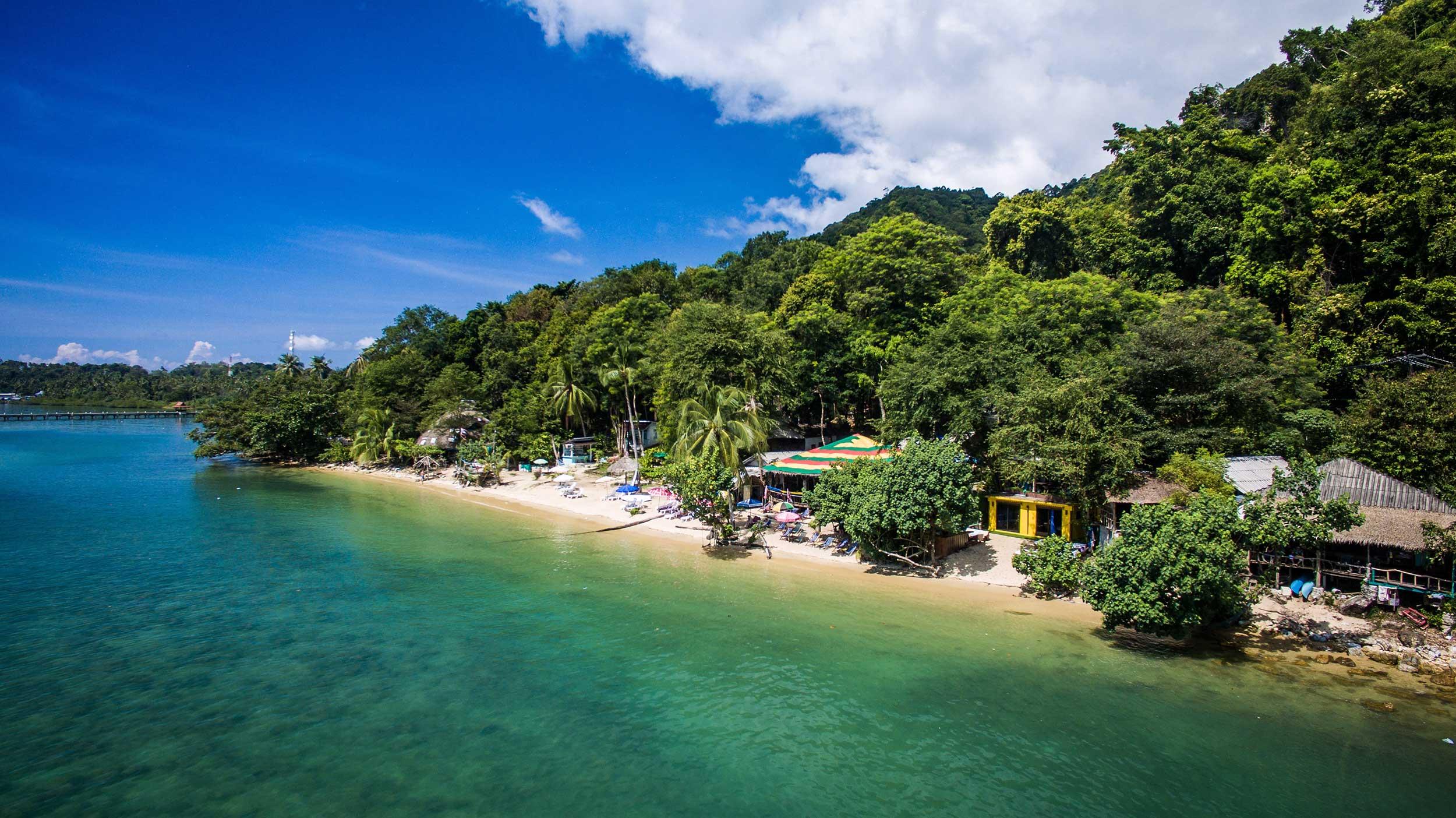 Indie_beach_kohchang_2.jpg