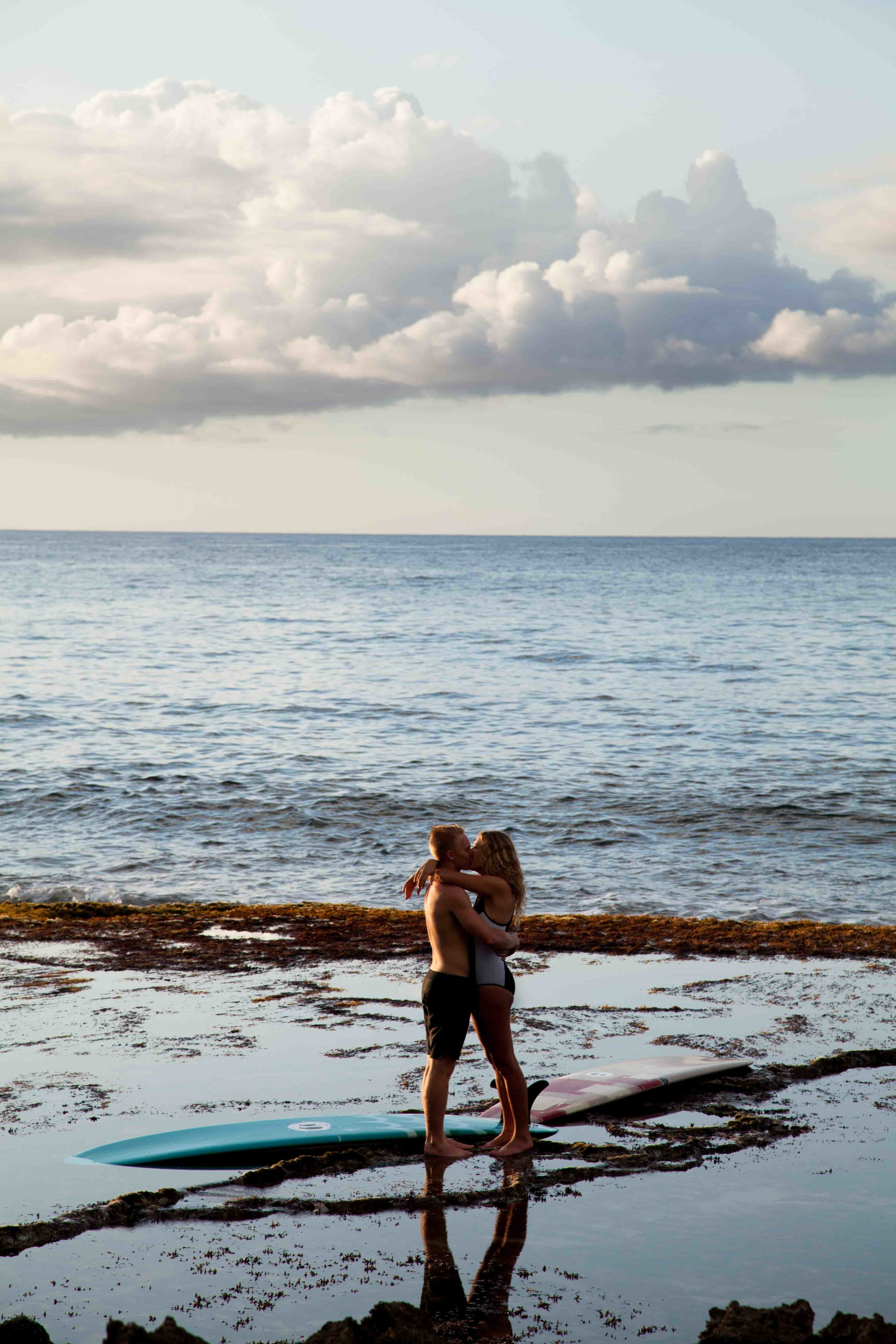 meghan-nicole-photography-hawaii-destination-wedding-photographer-northshore-surfer-engagement-6.jpg
