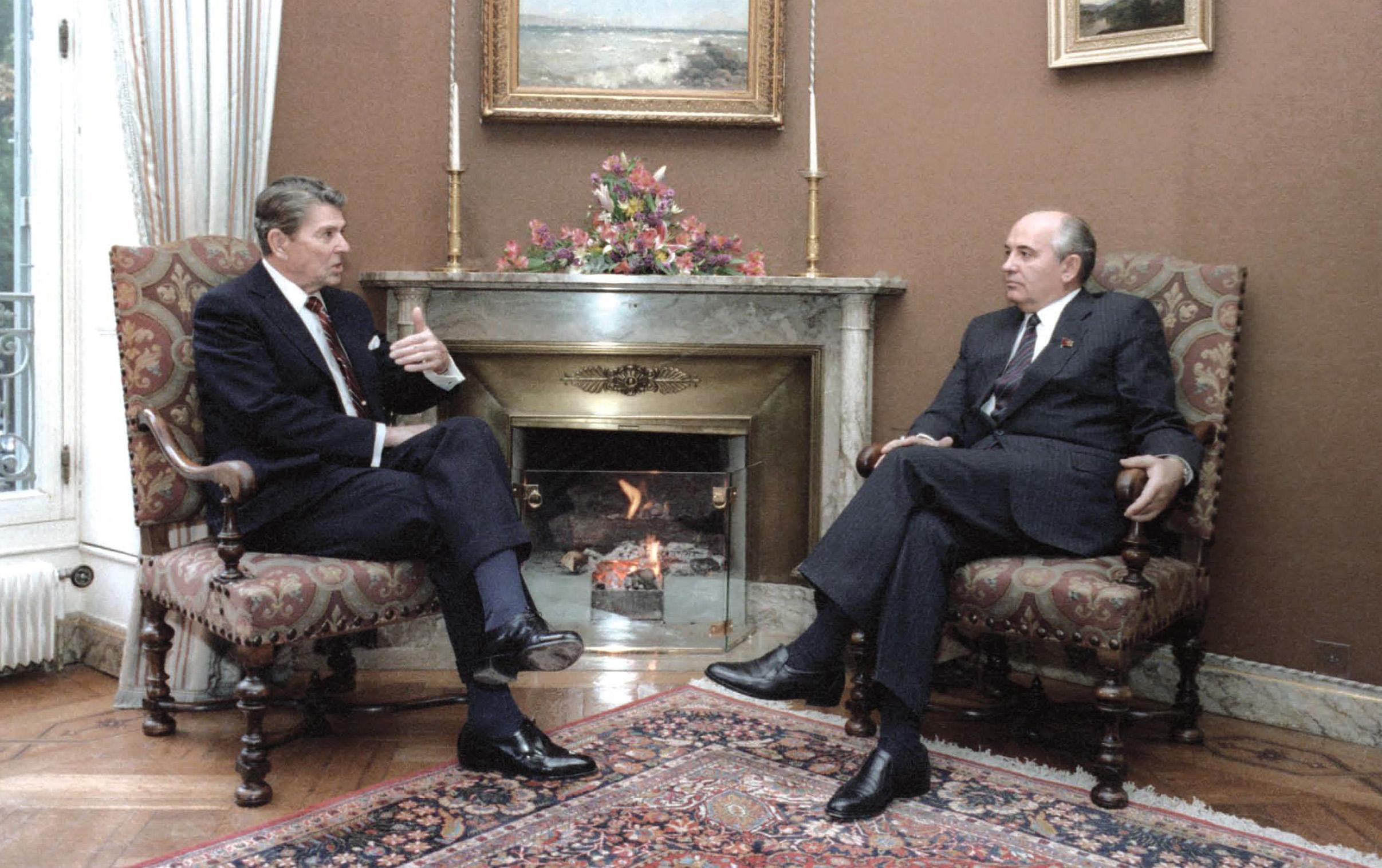 President Reagan's first meeting with Soviet General Secretary Gorbachev at Fleur D'Eau during the Geneva Summit in Switzerland on November 19, 1985.