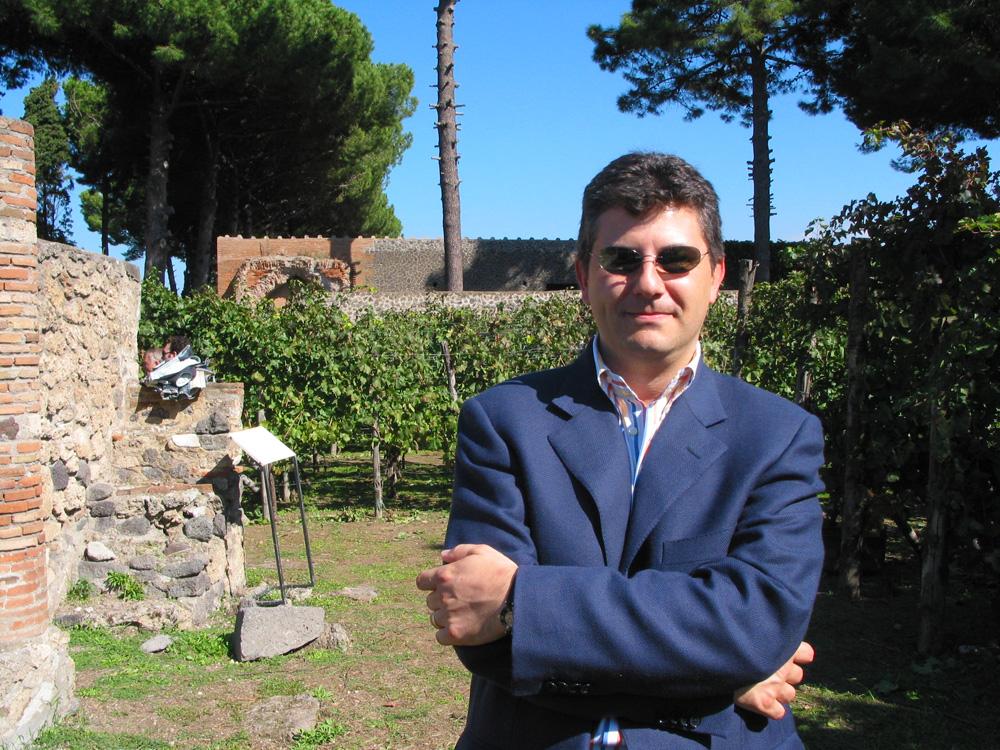 Piero Mastroberardino, managing the winemaking side of this public–private venture.